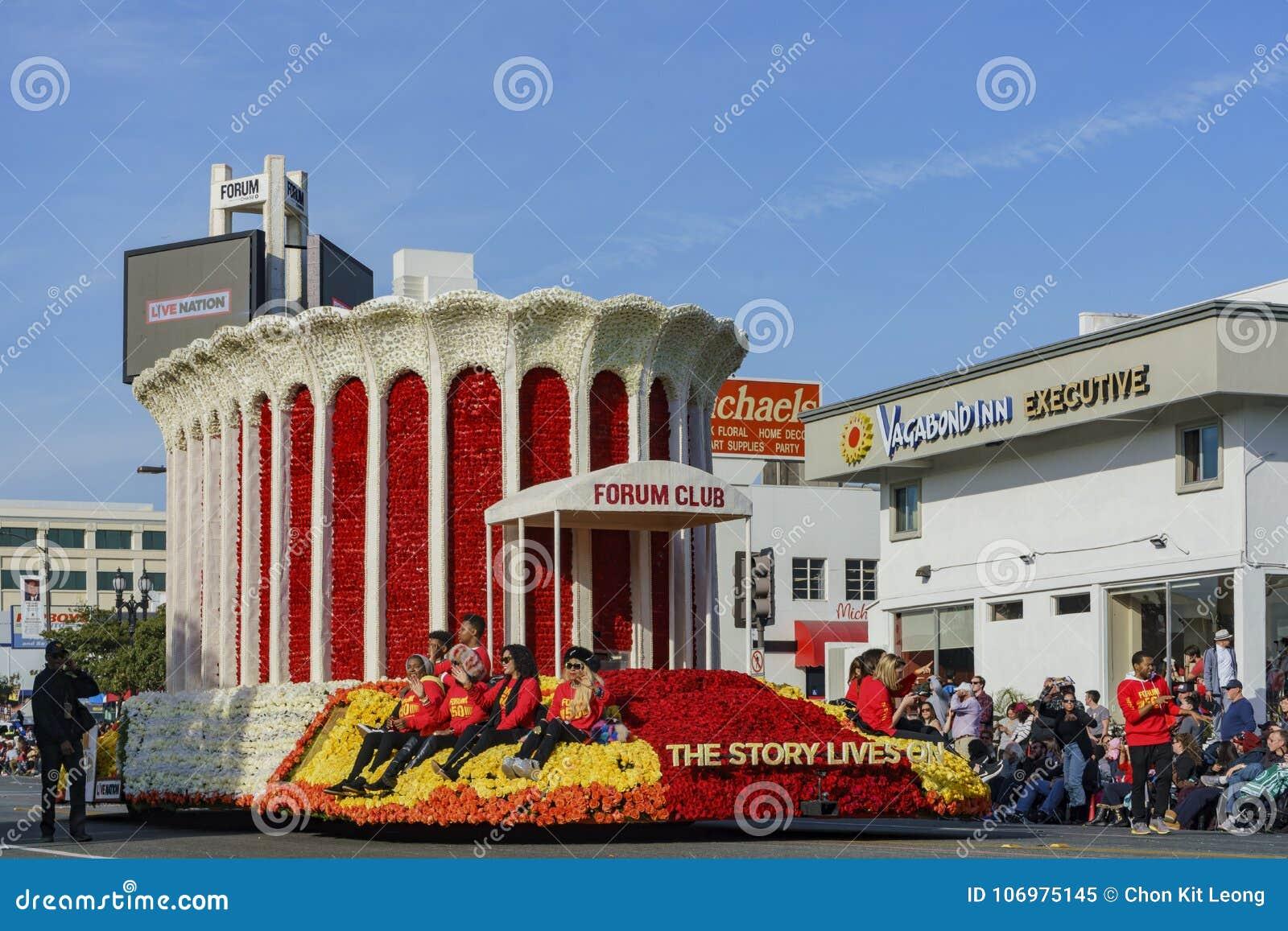De vlotter van de forumclub in beroemde Rose Parade