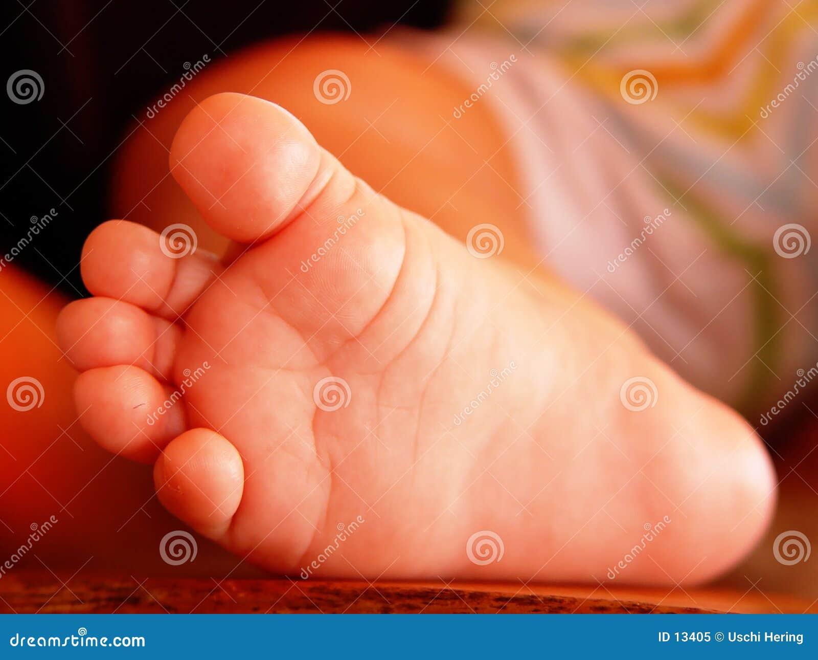De voet van de baby