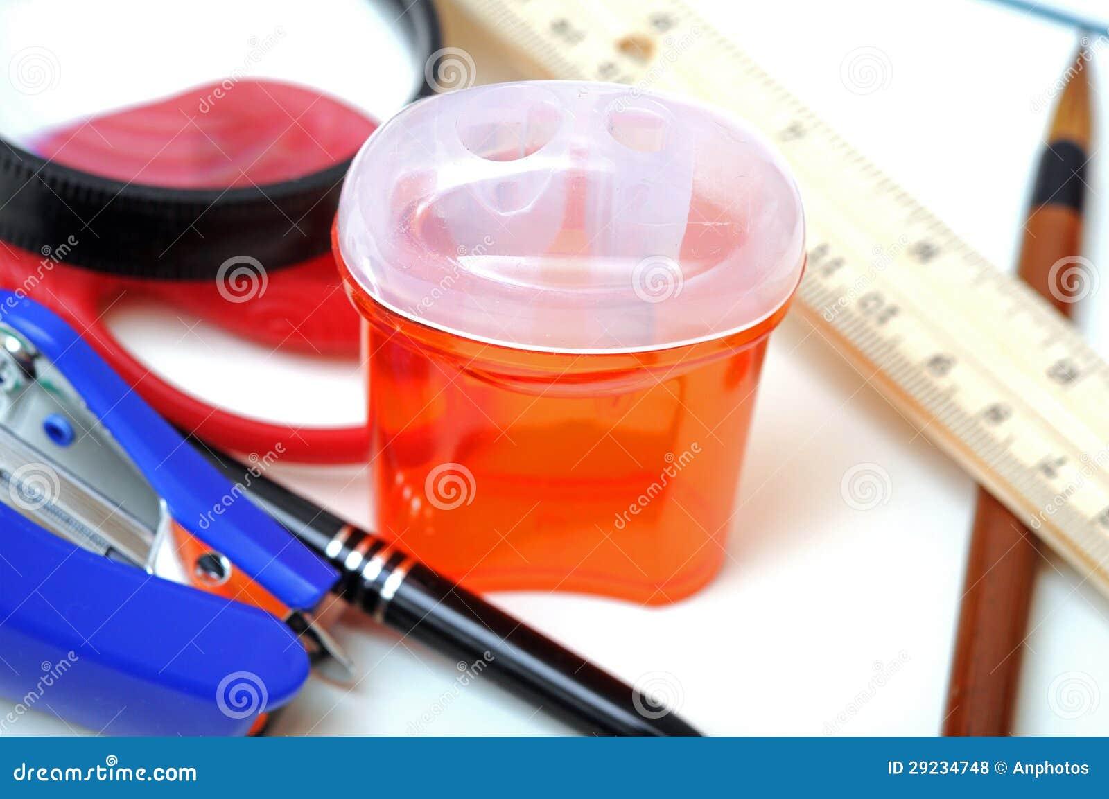 Download De Volta Ao Material Da Escola Foto de Stock - Imagem de chinês, grampeador: 29234748