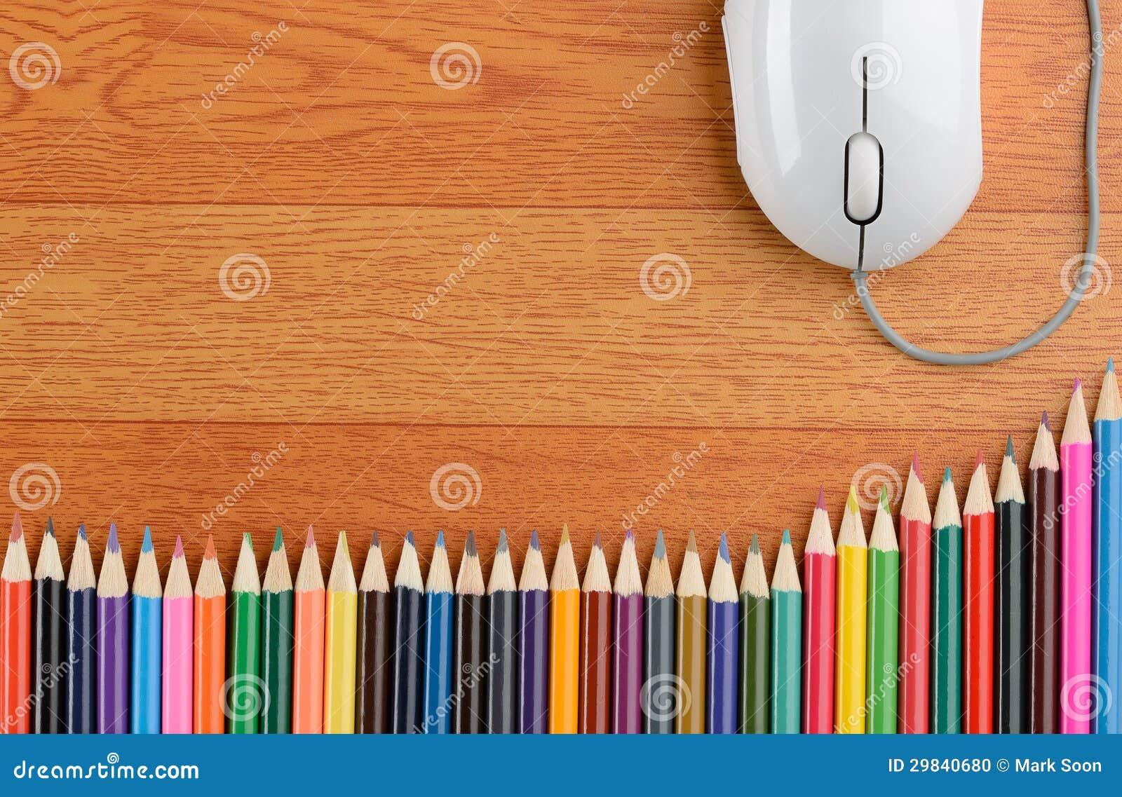 Lápis da cor e um rato do computador