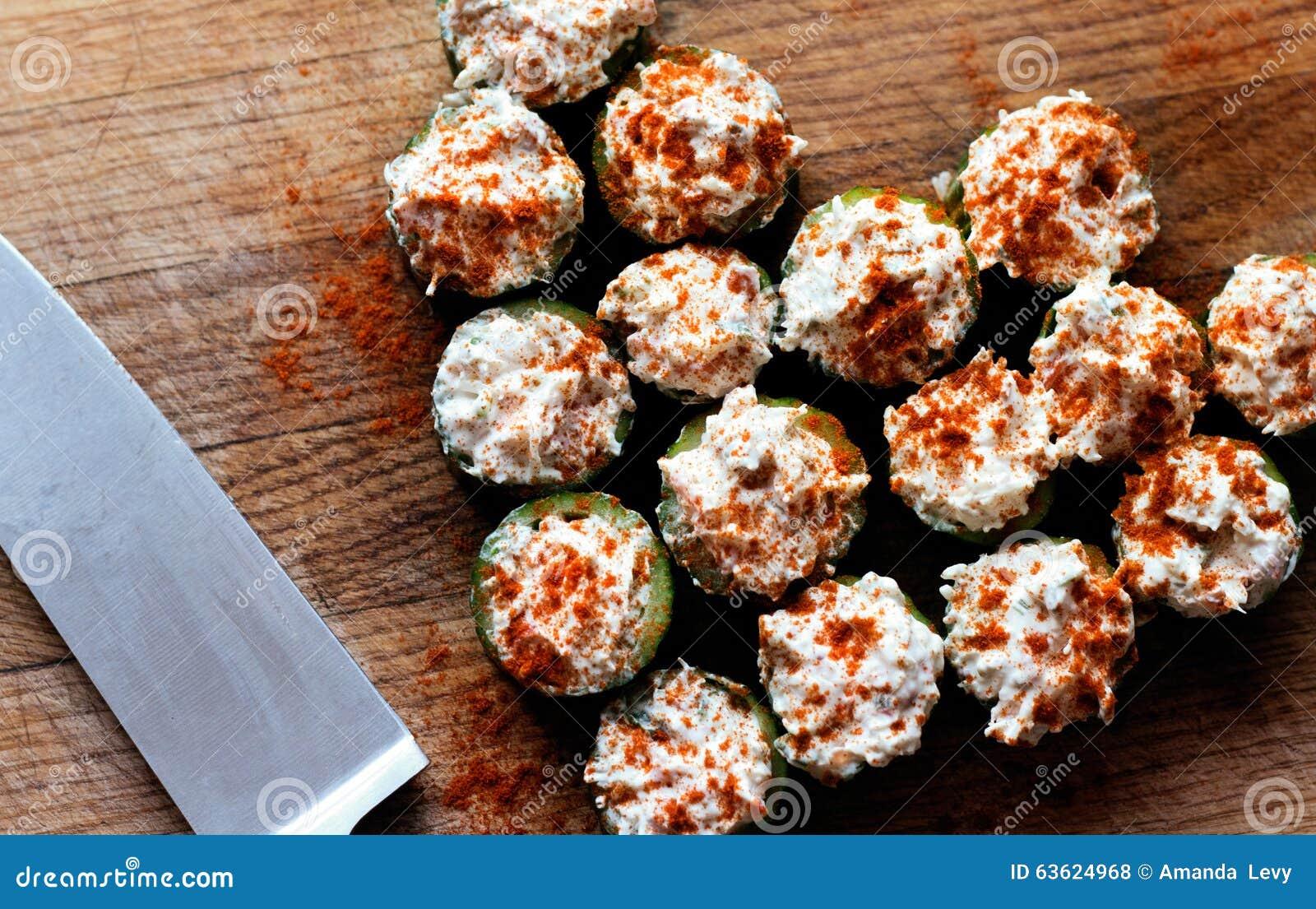 De voorgerechten van de komkommerkrab