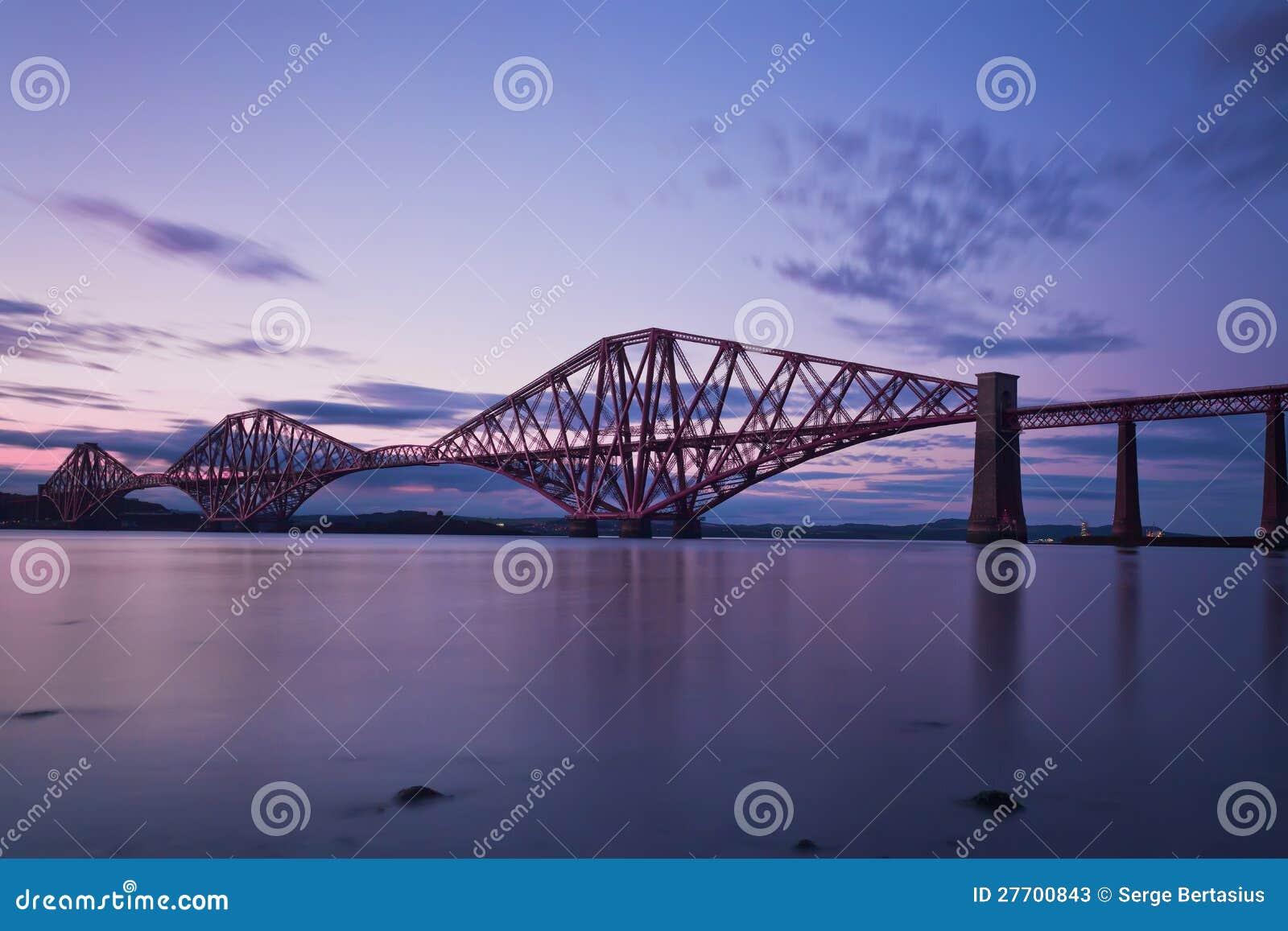 De vooruit Brug Edinburgh, Scotl van het Spoor