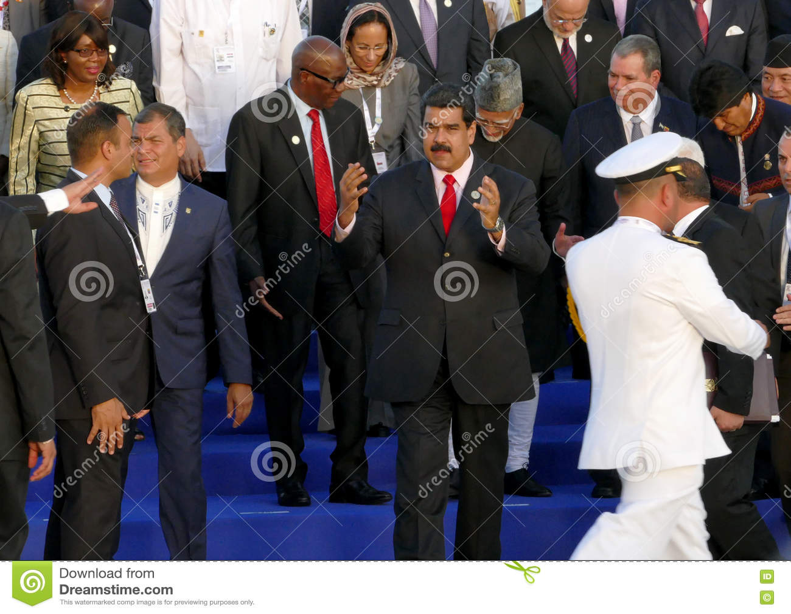 De voorzitters van Delegaties stellen voor de officiële foto in de 17de Top van de Niet gebonden Beweging
