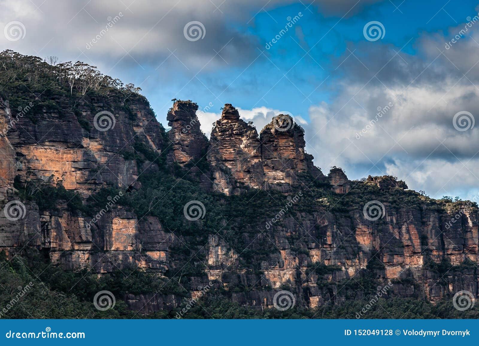 De vorming van de Drie Zustersrots in Blauw Bergen Nationaal Park, NSW, Australië