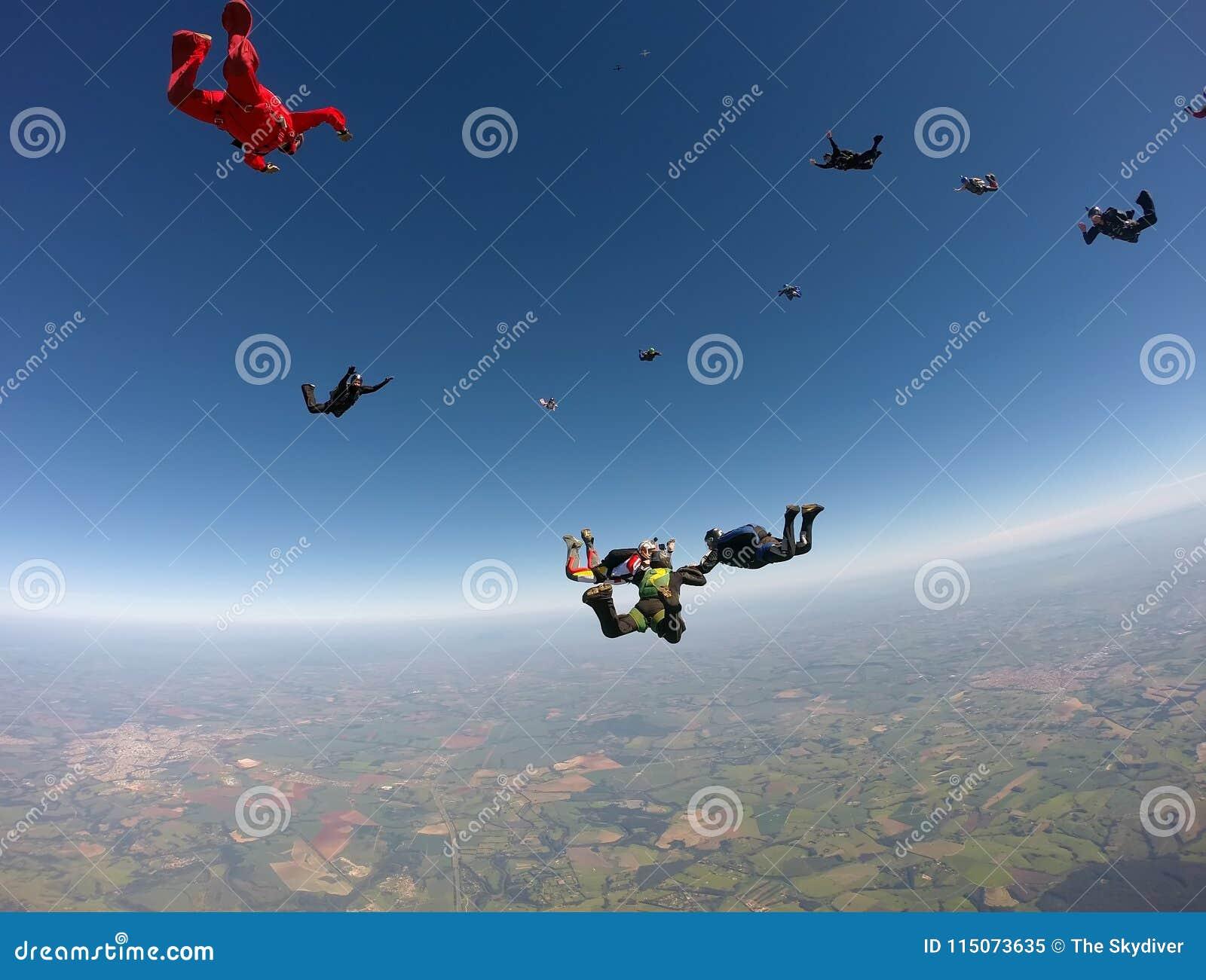 De vorming van de Skydivingsgroep