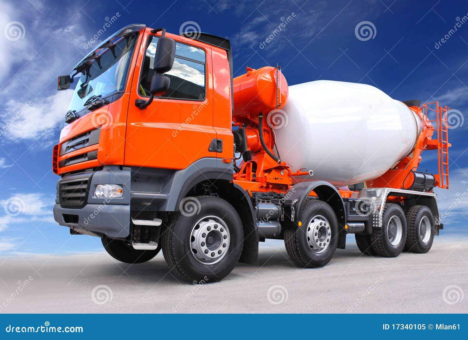 De vrachtwagen van het cement