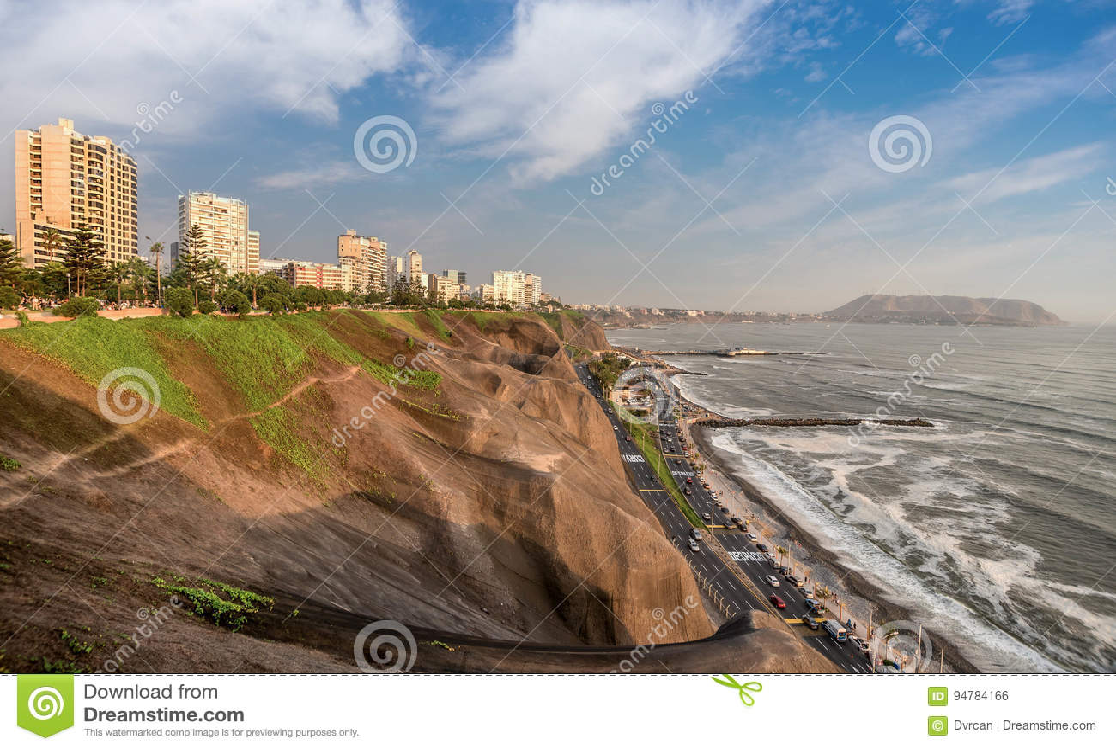 De Vreedzame kust van Miraflores in Lima, Peru