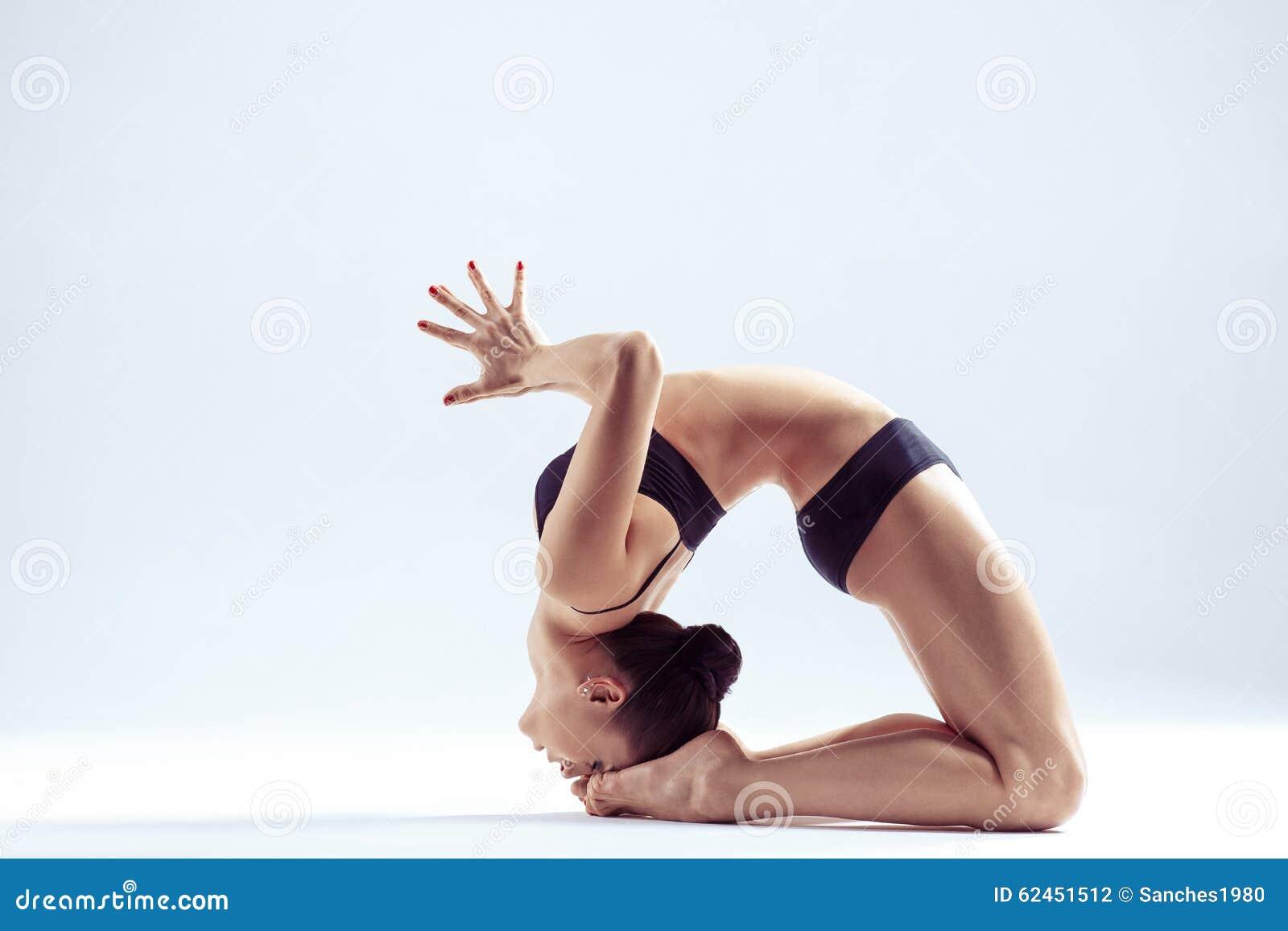 De vrouw van de yoga