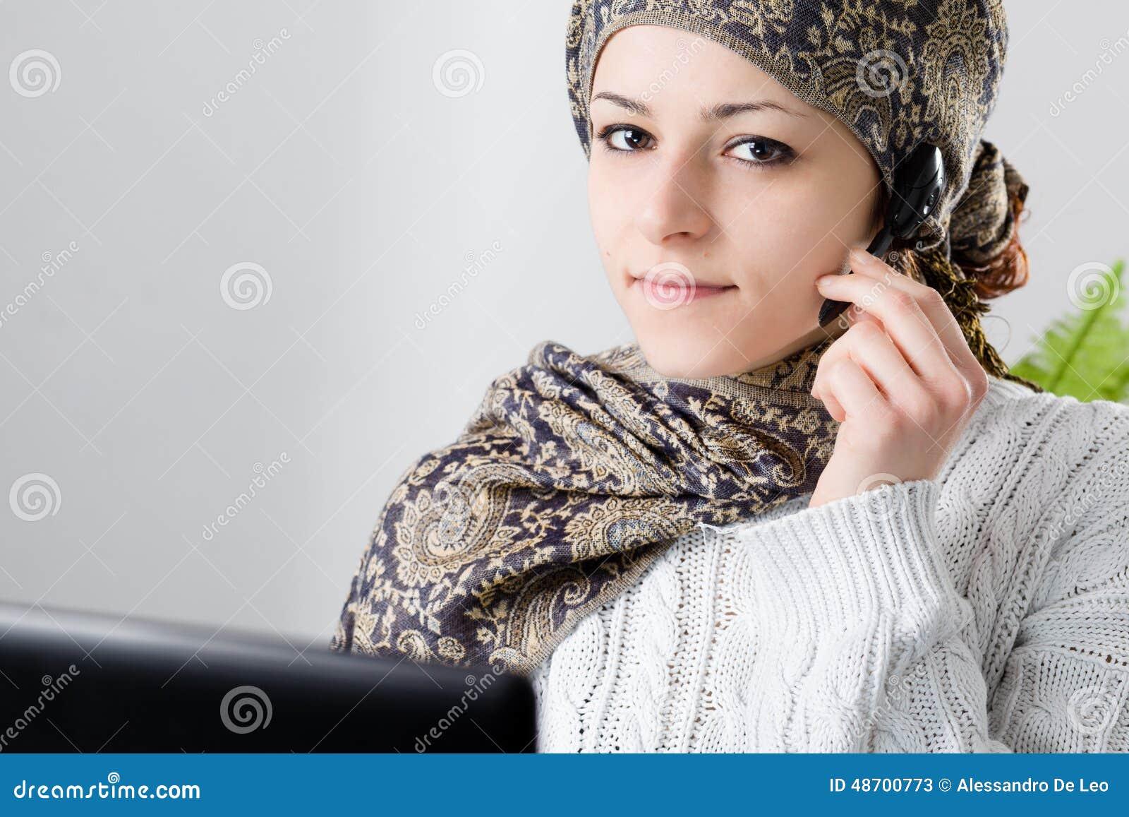 De Vrouw van het Middenoosten op Call centre