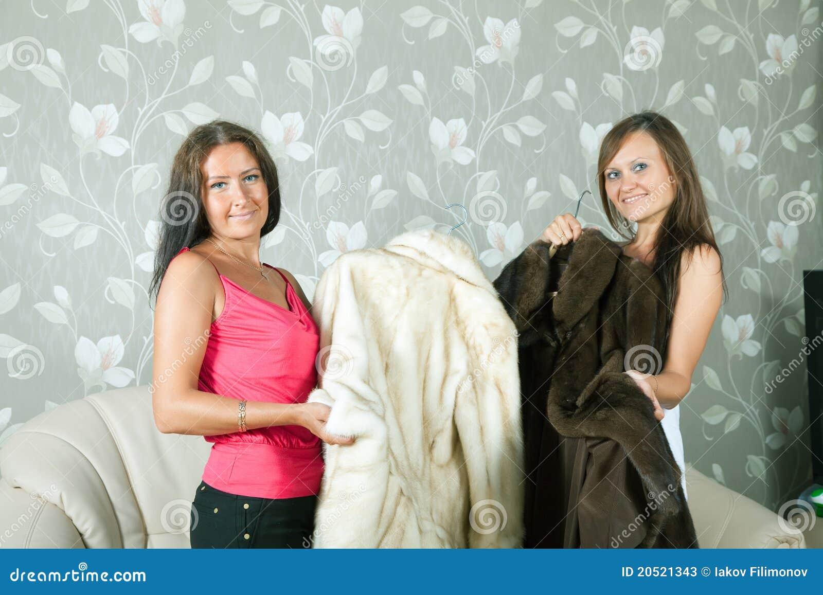 Vrouwen maken foto039s van pik op chatrolette