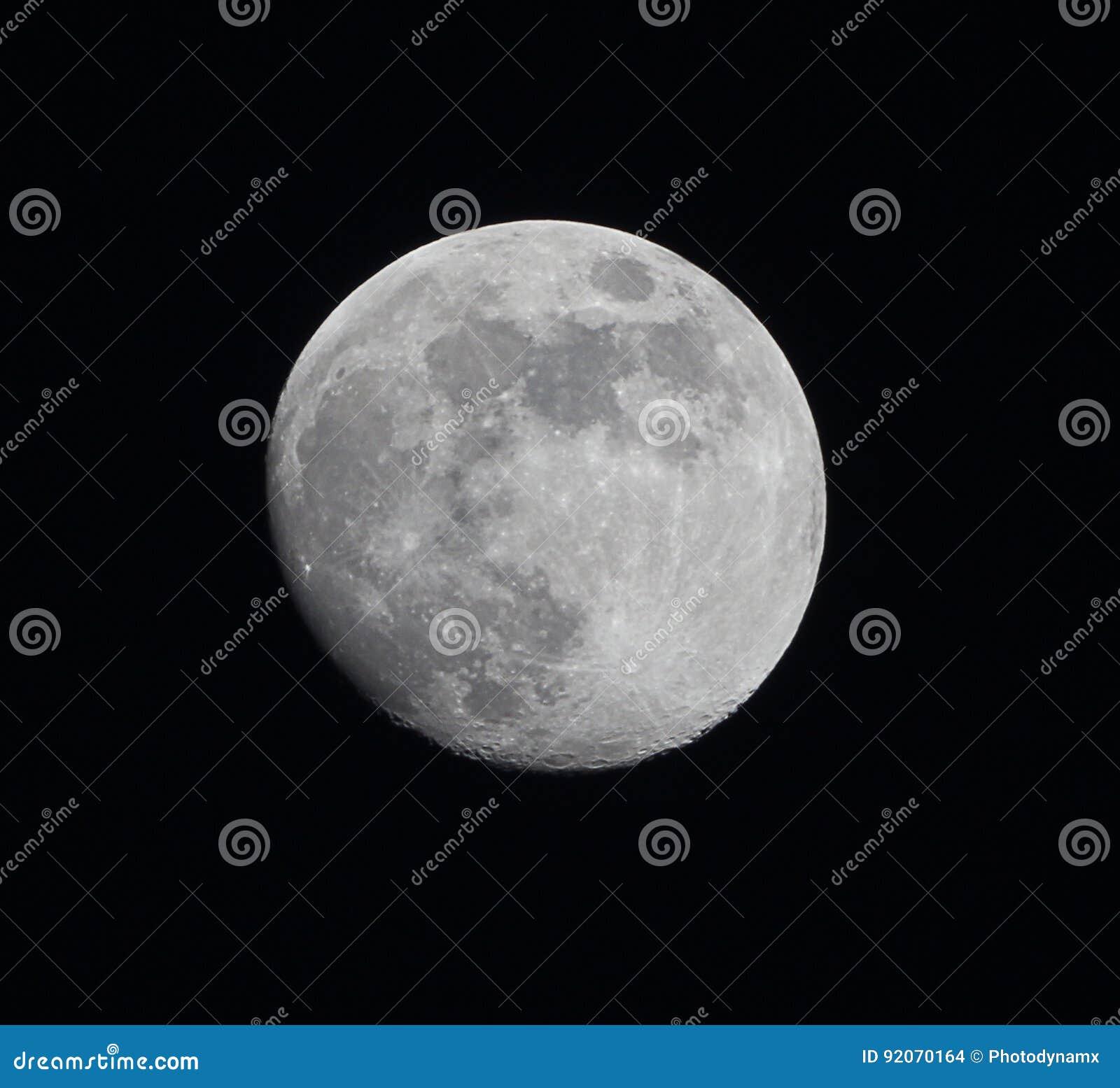 In de was zettende Gibbous Maan