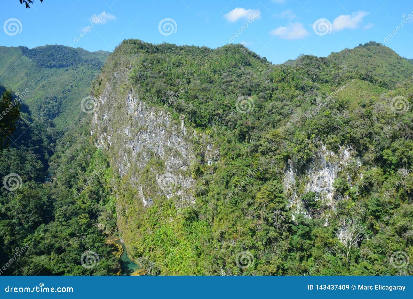 De Waterval Lanquin Guatemala van Semucchampey