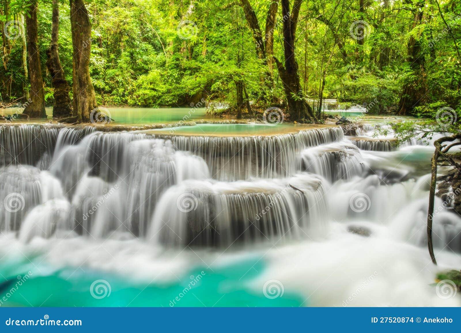 De Waterval van Erawan in Provincie Kanchanaburi