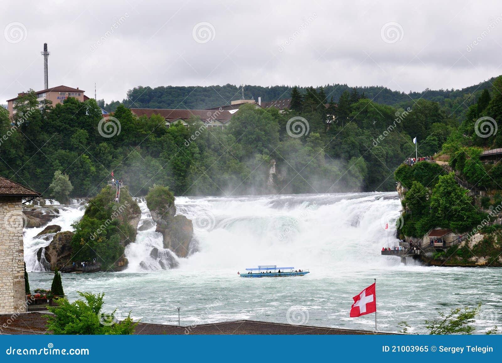 Waterval Rijn Zwitserland.De Watervallen Van Rijn Zwitserland Stock Afbeelding
