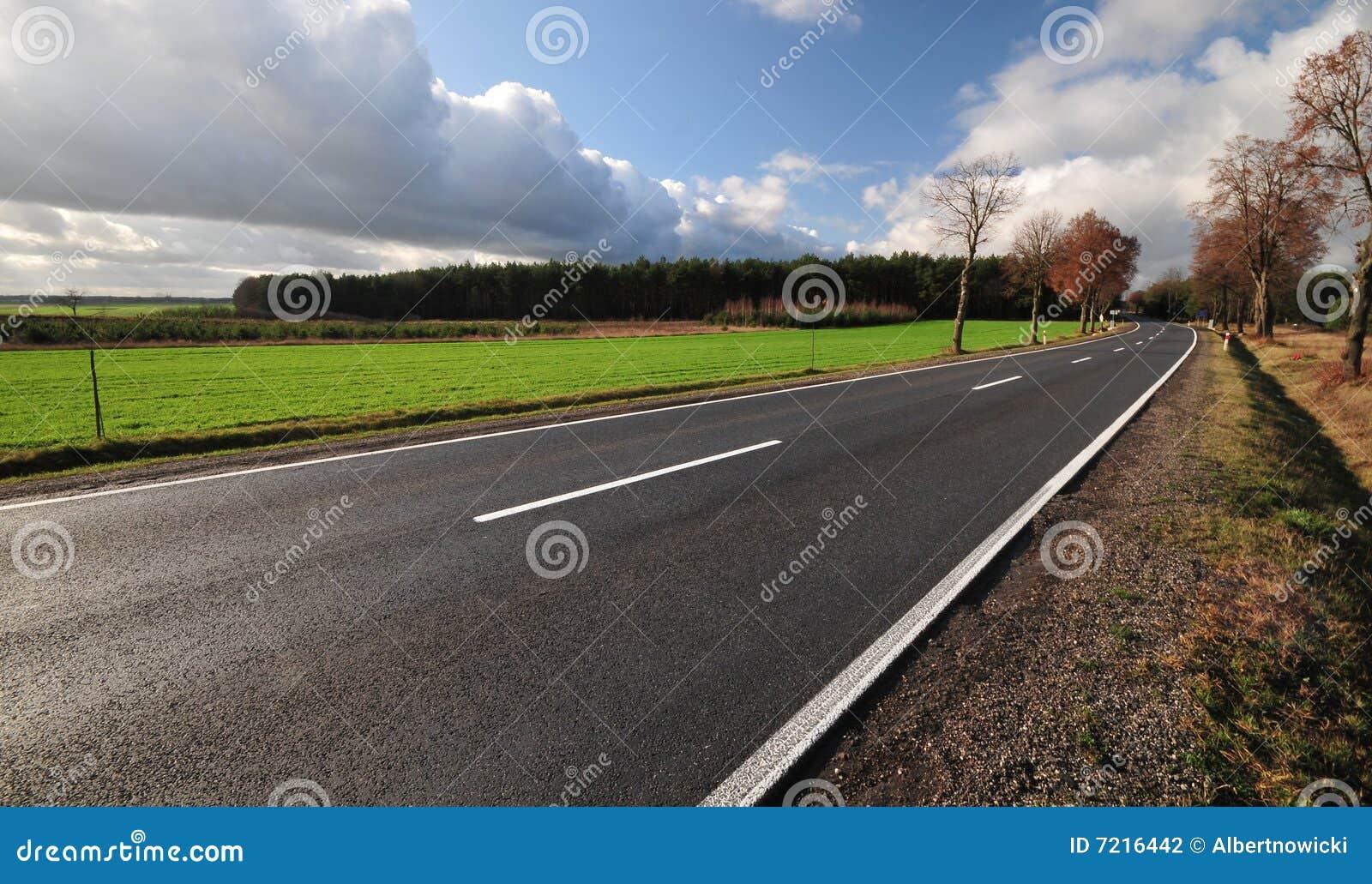 De wegrubriek van het tarmac aan onbekend
