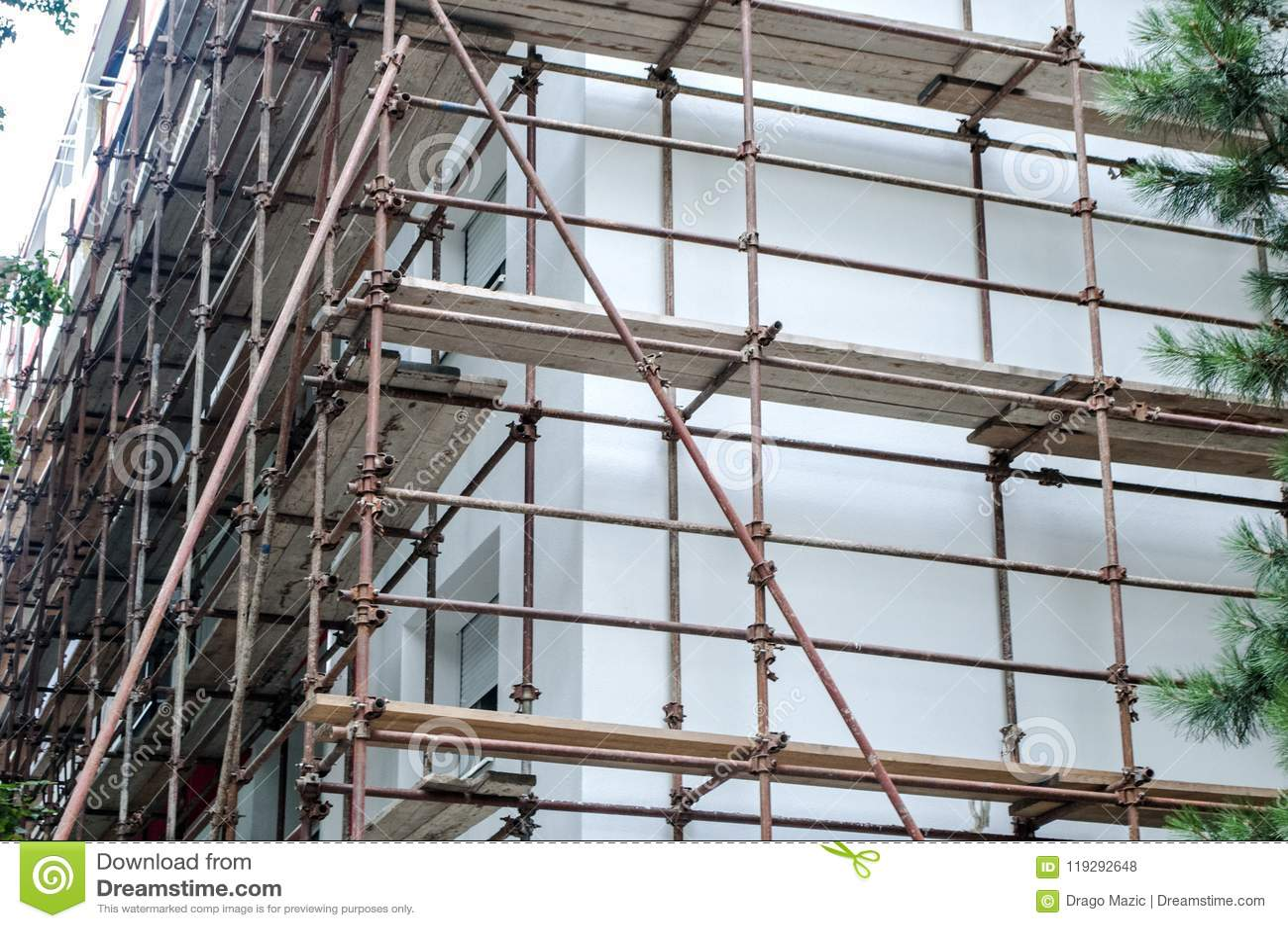 De werken aangaande het gebouw