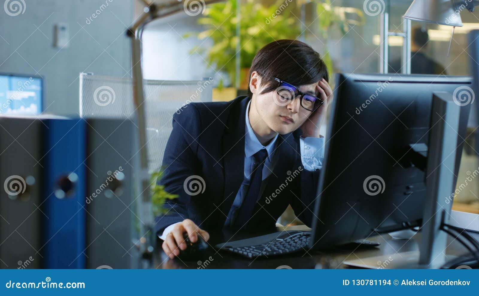 In de werken van de Bureau Wanhopige Zakenman aangaande een Persoonlijke Desktop