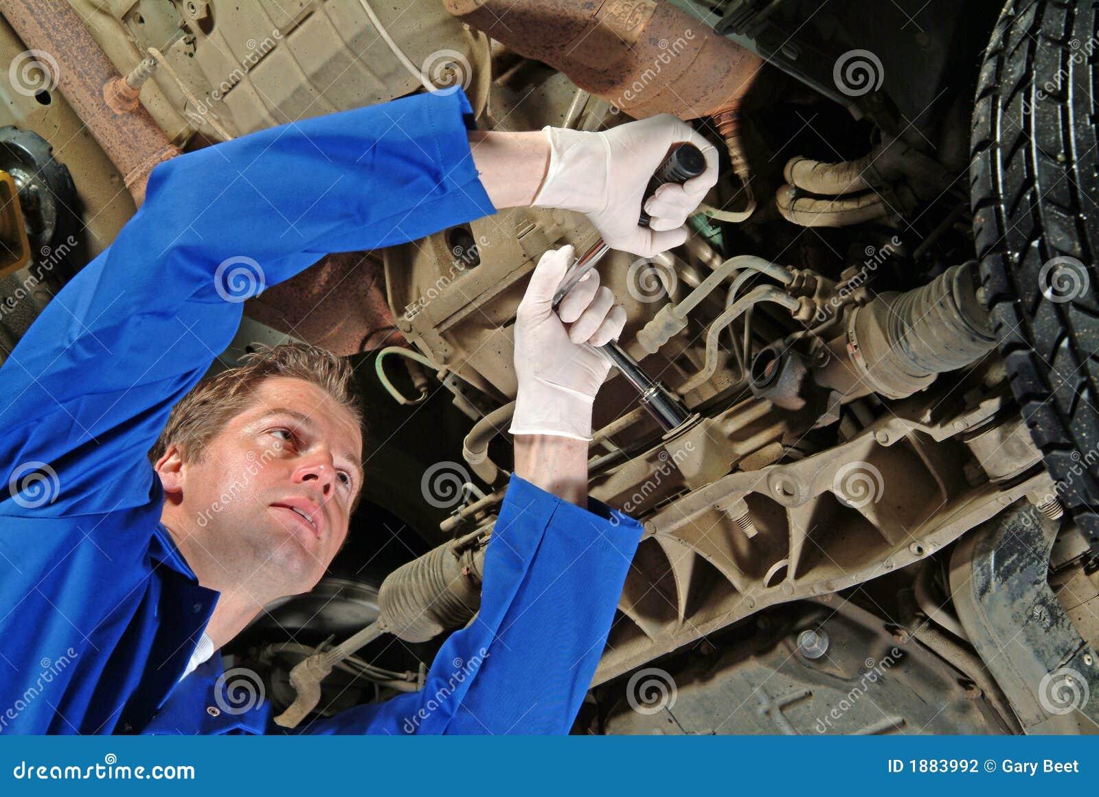 De werktuigkundige van de auto