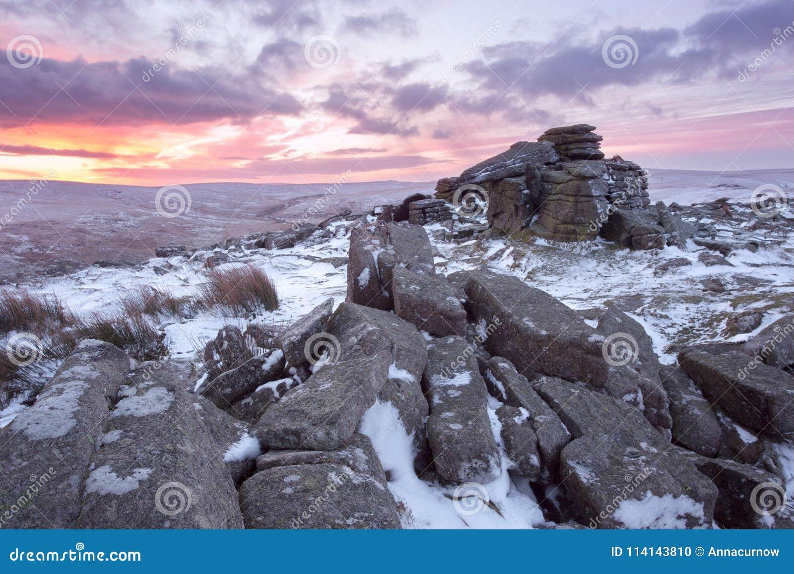 De winter op belstonepiek Dartmoor
