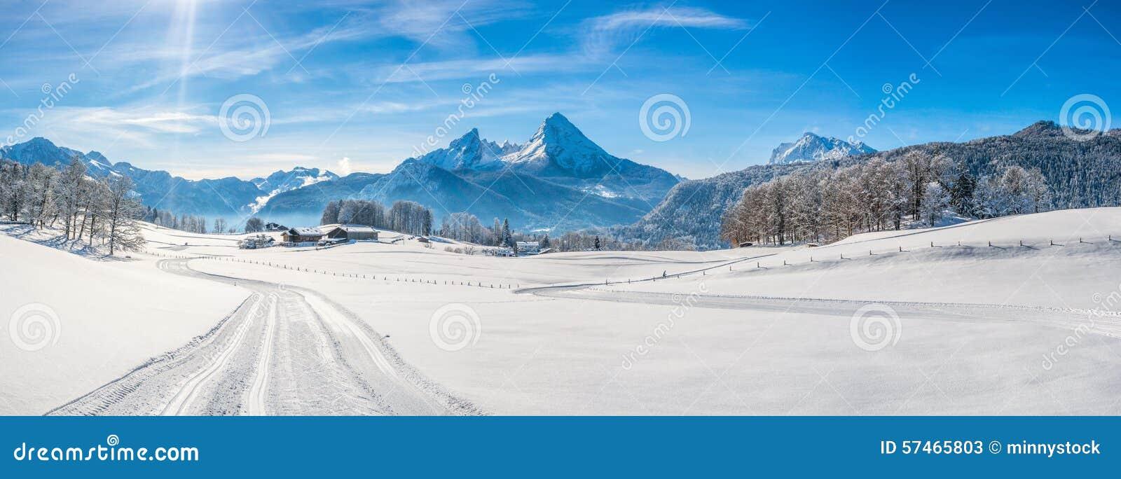 De winterlandschap in de Beierse Alpen met Watzmann-massief, Duitsland