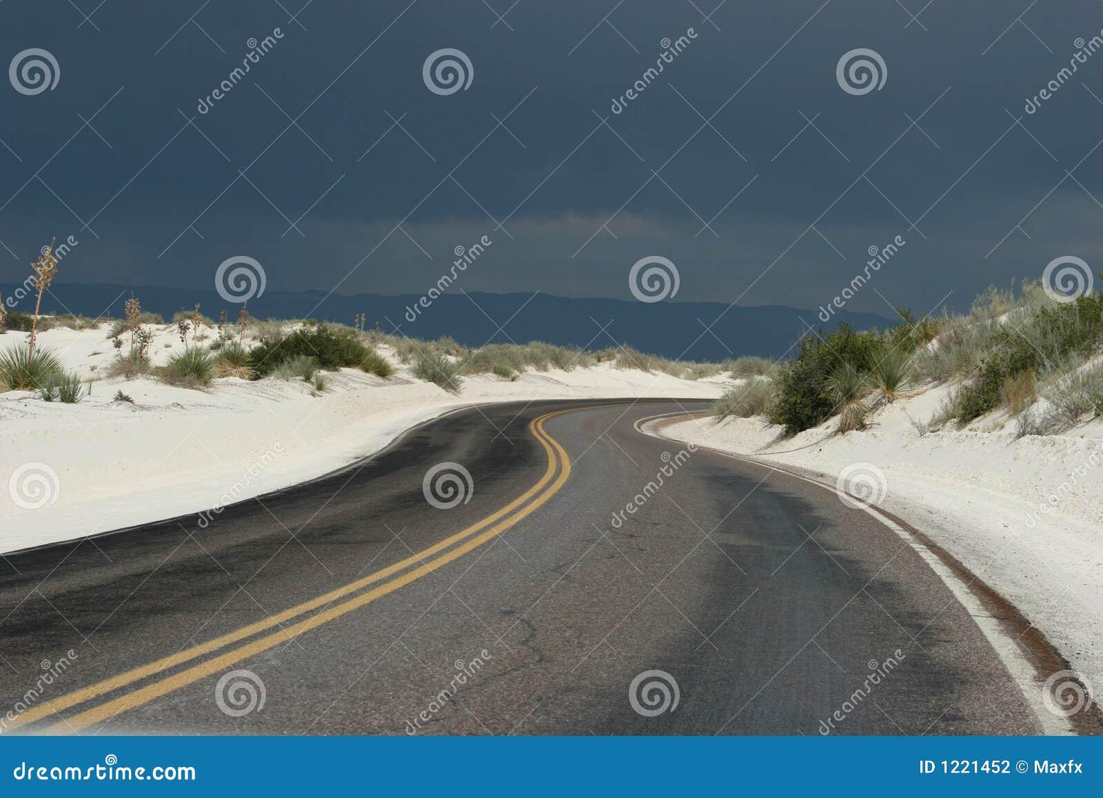 De woestijnweg van Curvy