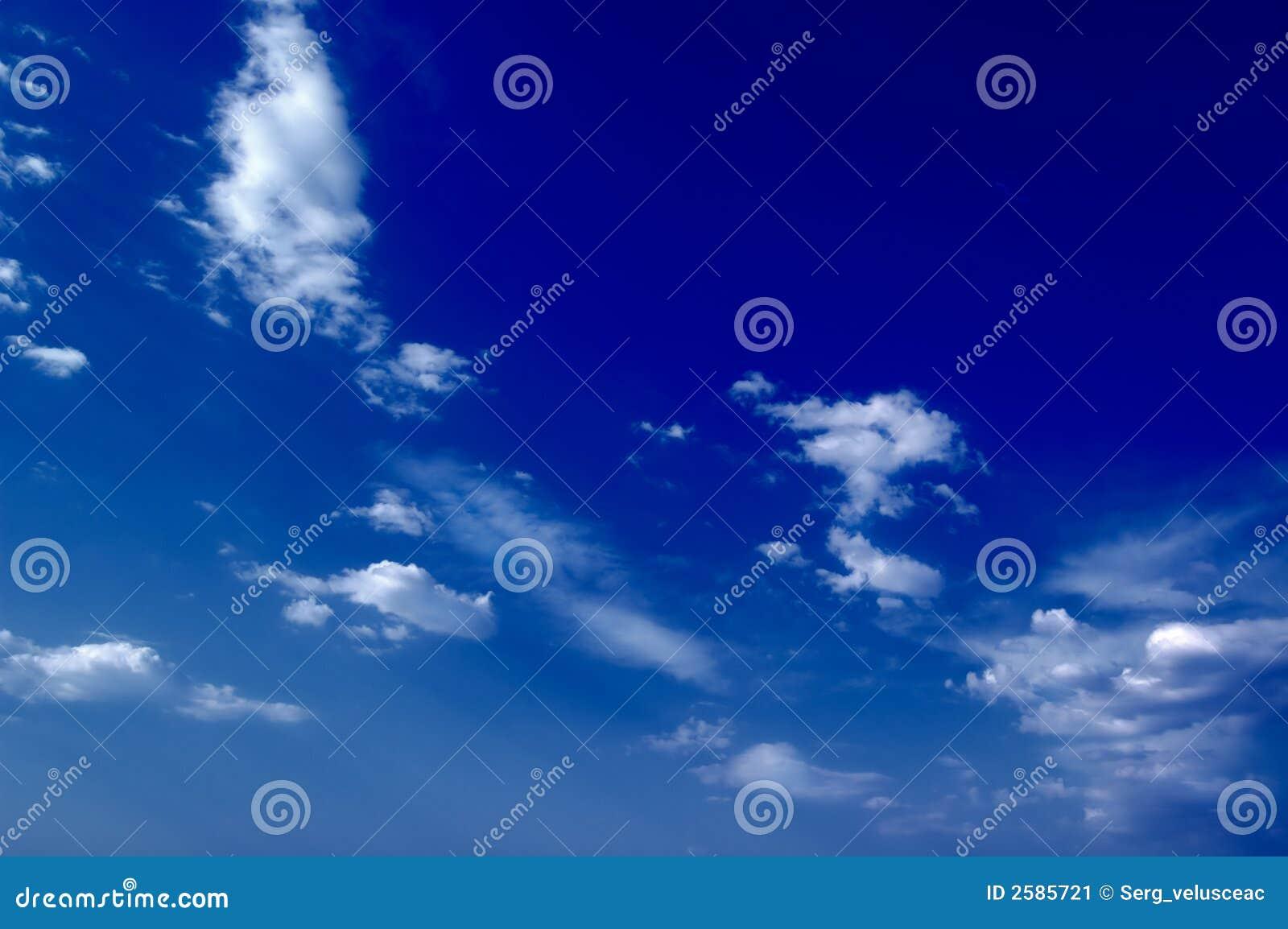 De wolken.