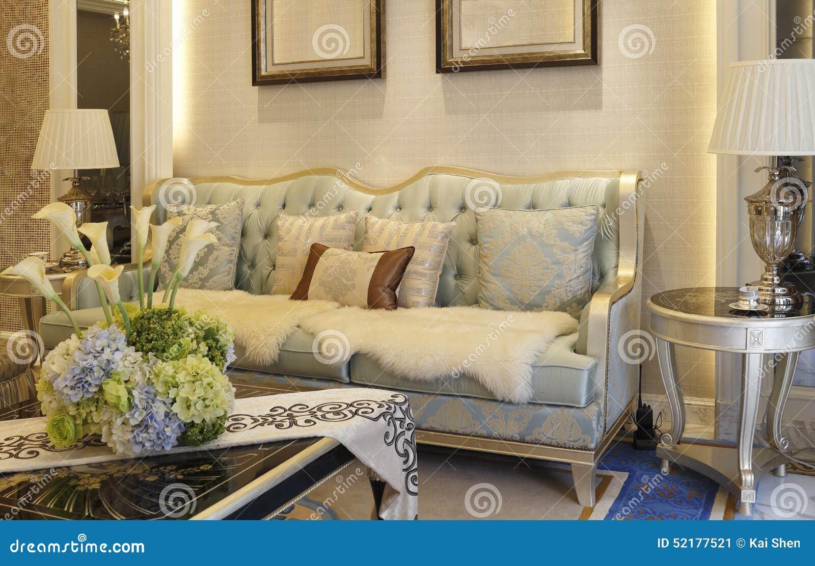 Woonkamer Lichte Kleuren : De woonkamer met lichte kleur stock afbeelding afbeelding