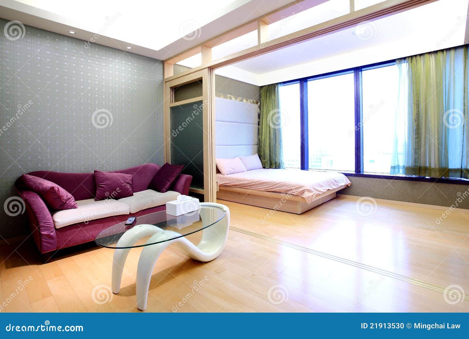 Bed In Woonkamer : De woonkamer van de flat en de zaal van het bed stock foto