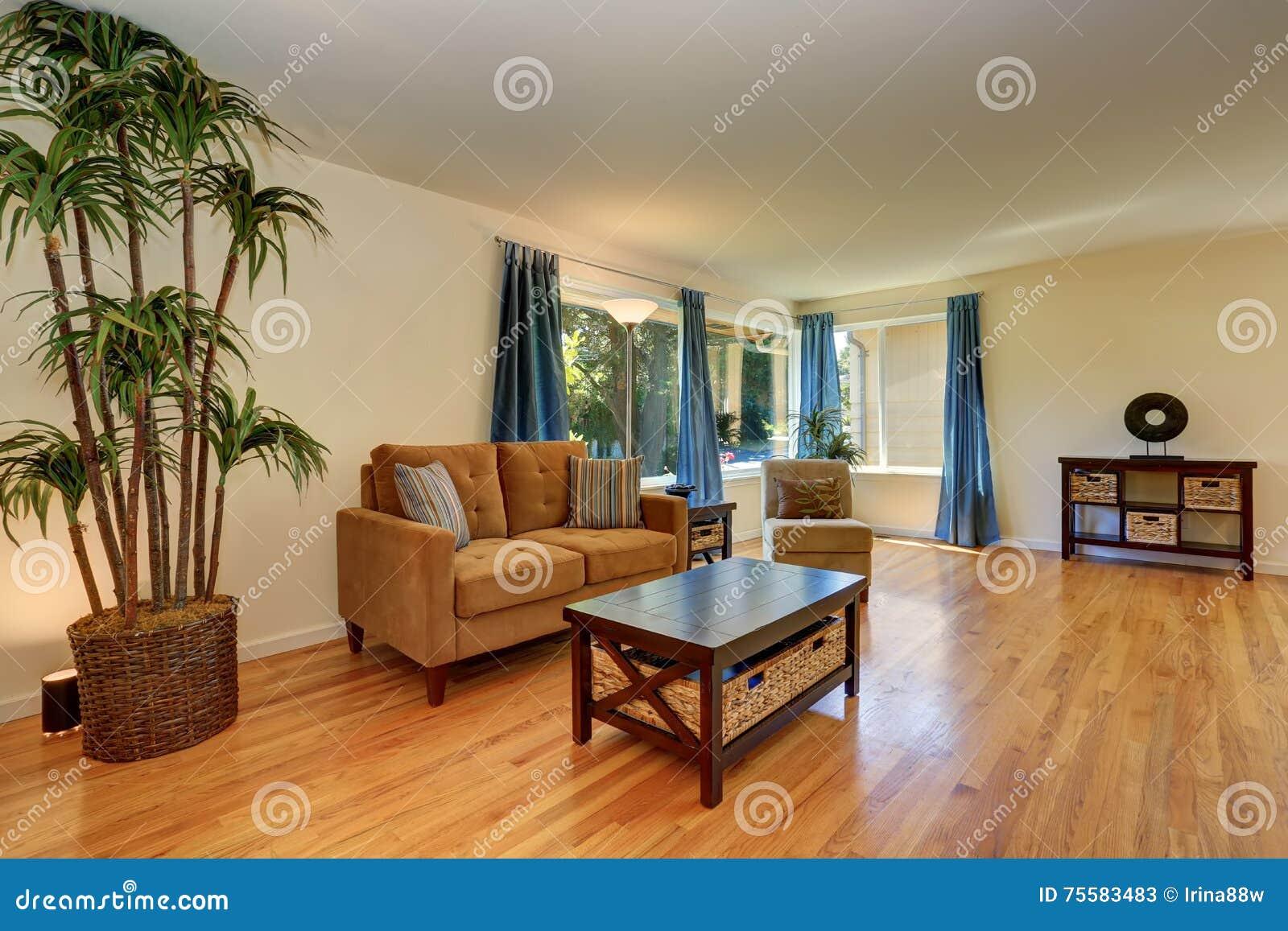 Woonkamer kleuren bruin groen beste ideen over huis en for Z vormige woonkamer inrichten