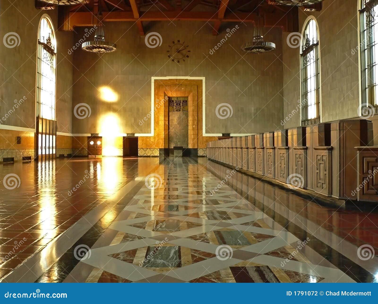 De zaal van het kaartje van het station stock fotografie beeld 1791072 - Versiering van de zaal van het tienermeisje van ...