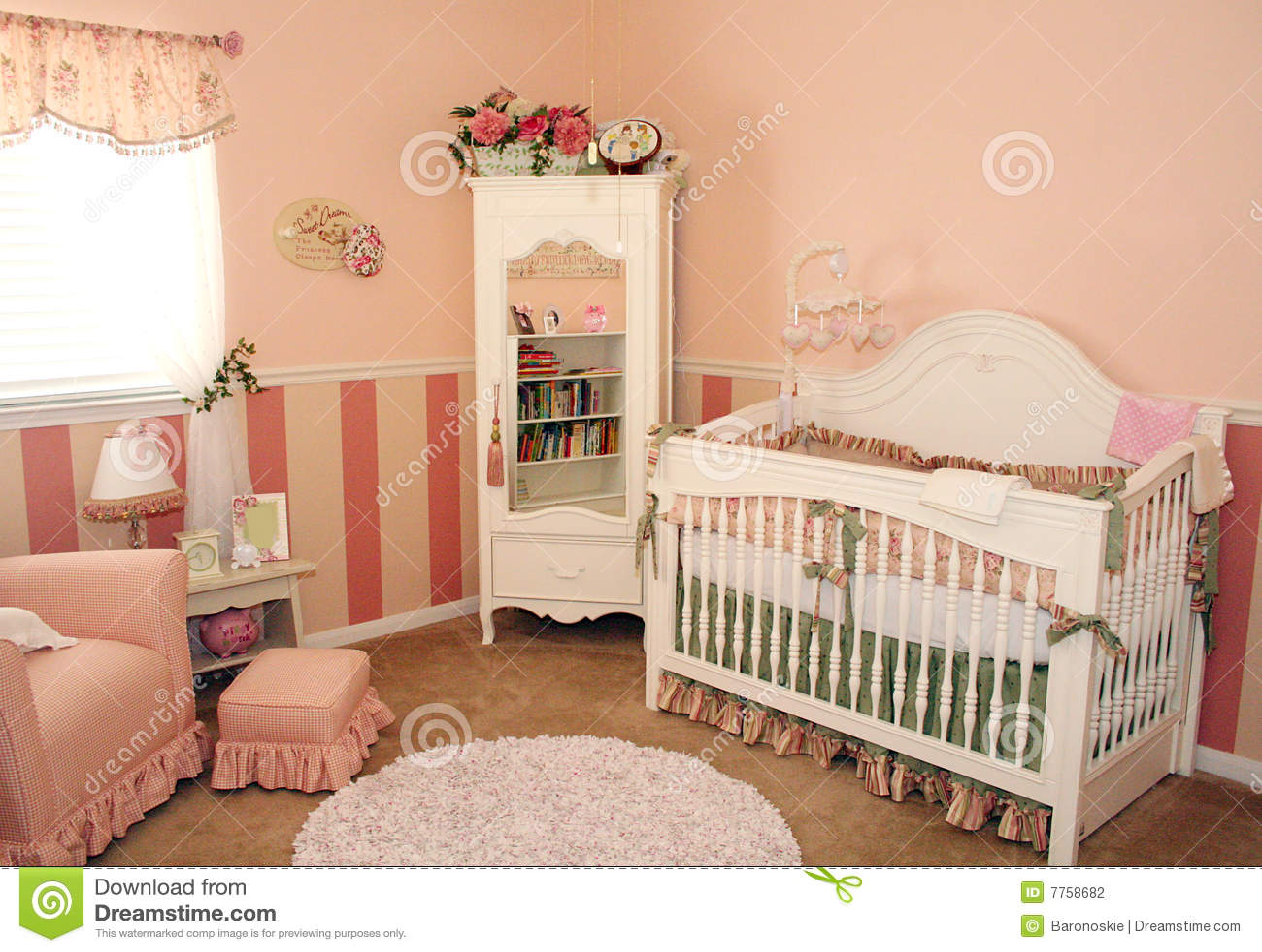 De Zaal van het kinderdagverblijf voor een meisje