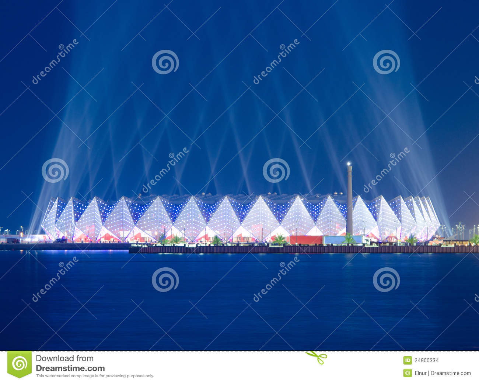 De zaal van het kristal eurovisie 2012 redactionele stock afbeelding beeld 24900334 - Versiering van de zaal van het tienermeisje van ...