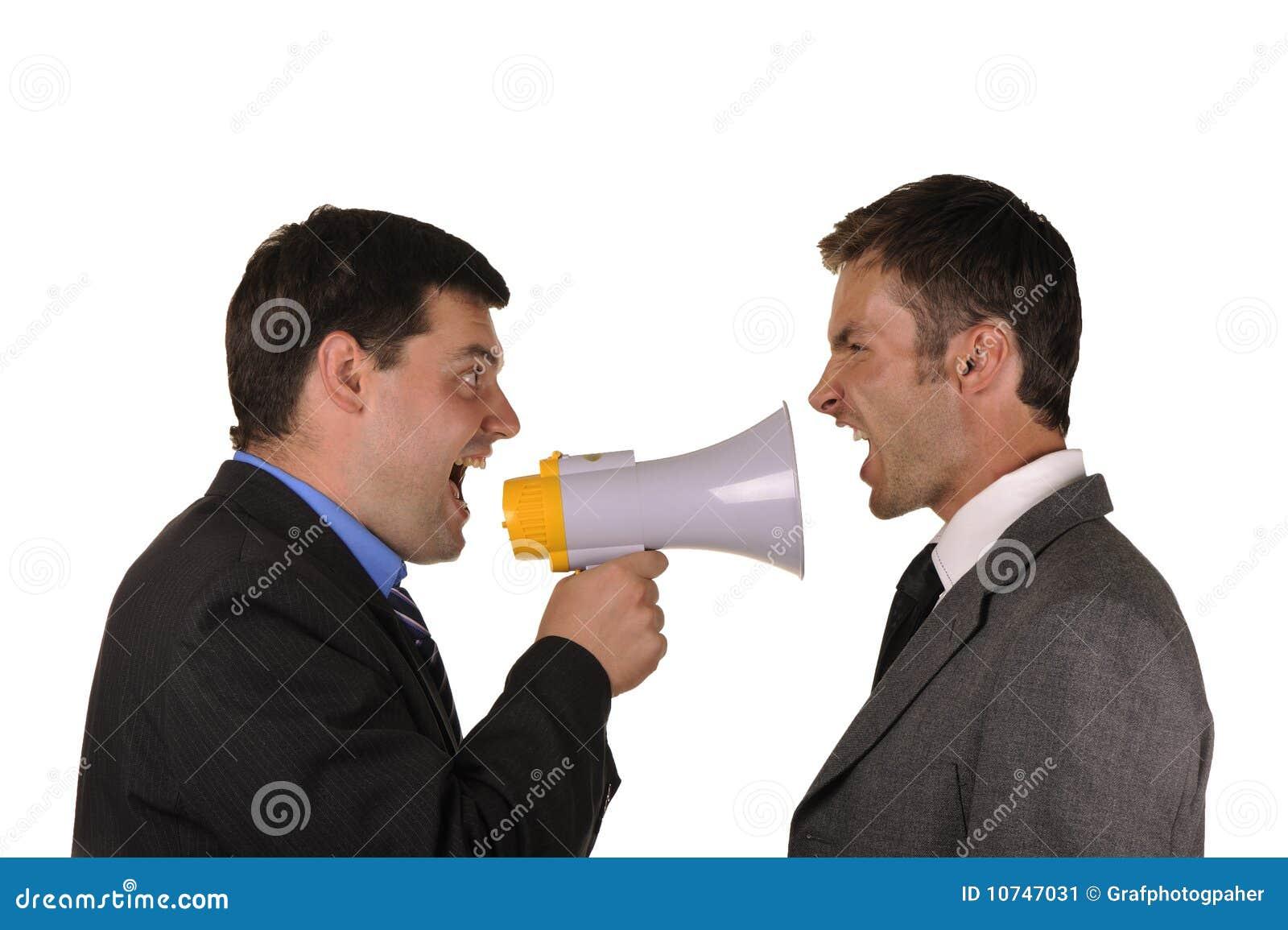 De zakenlieden komen emotioneel houdingen te weten