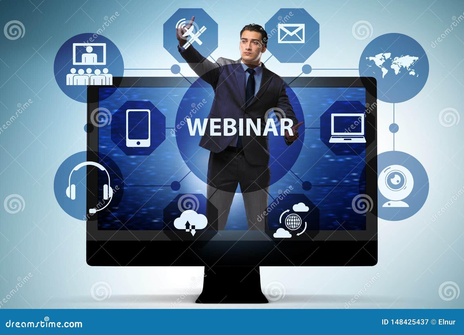 De zakenman in online webinar concept