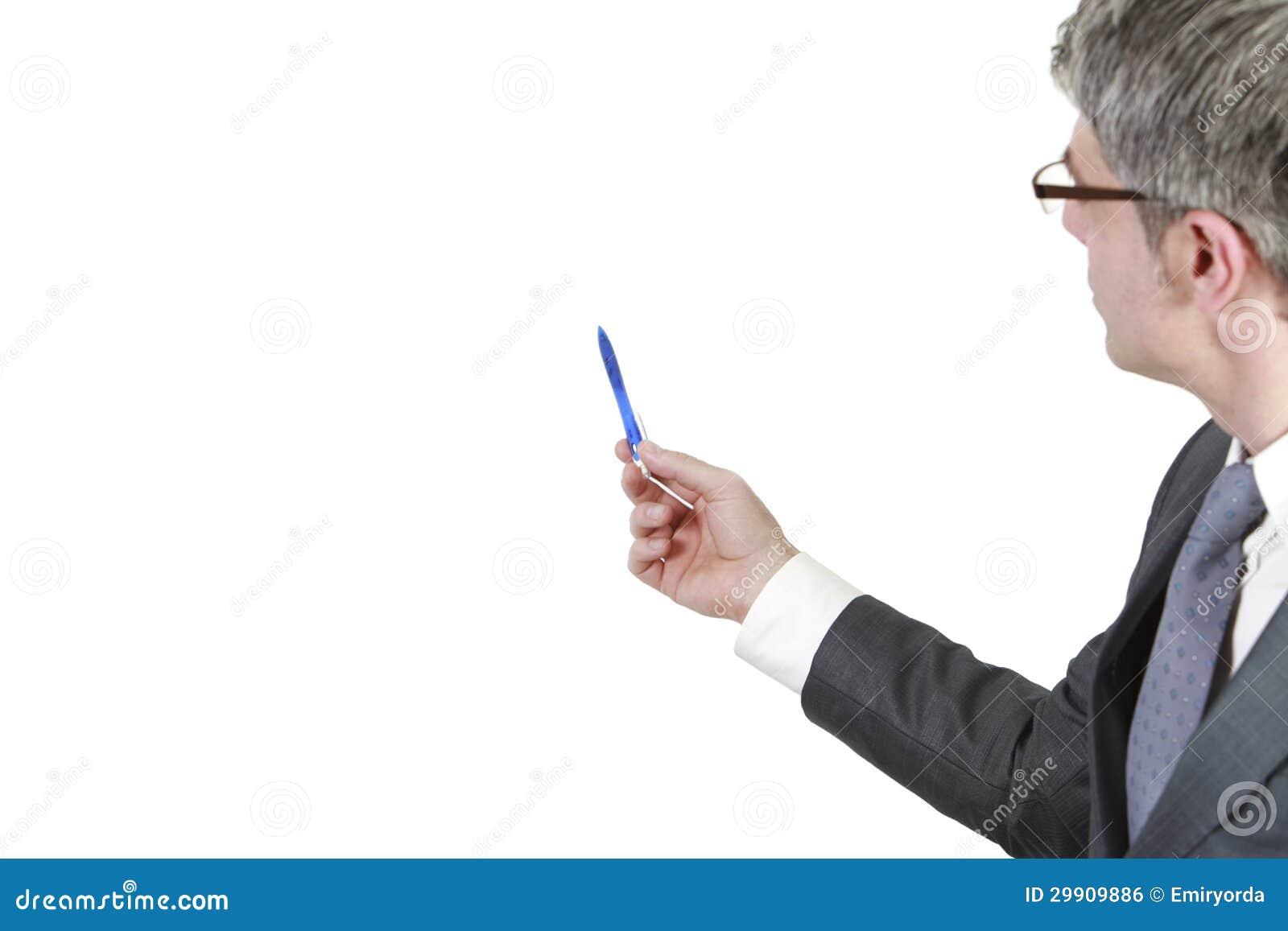 De zakenman toont