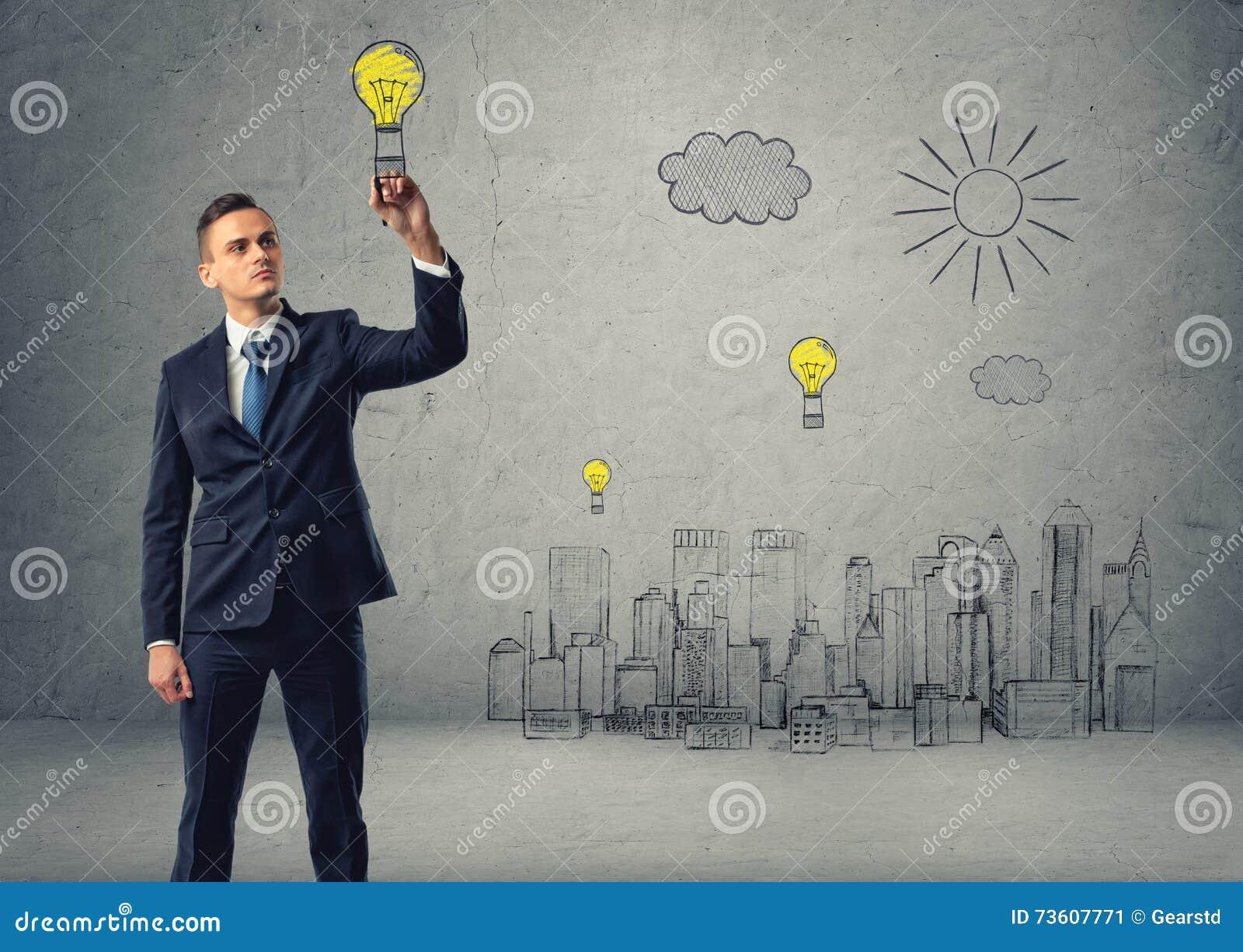 De zakenman trekt bol-valscherm over schets van stad