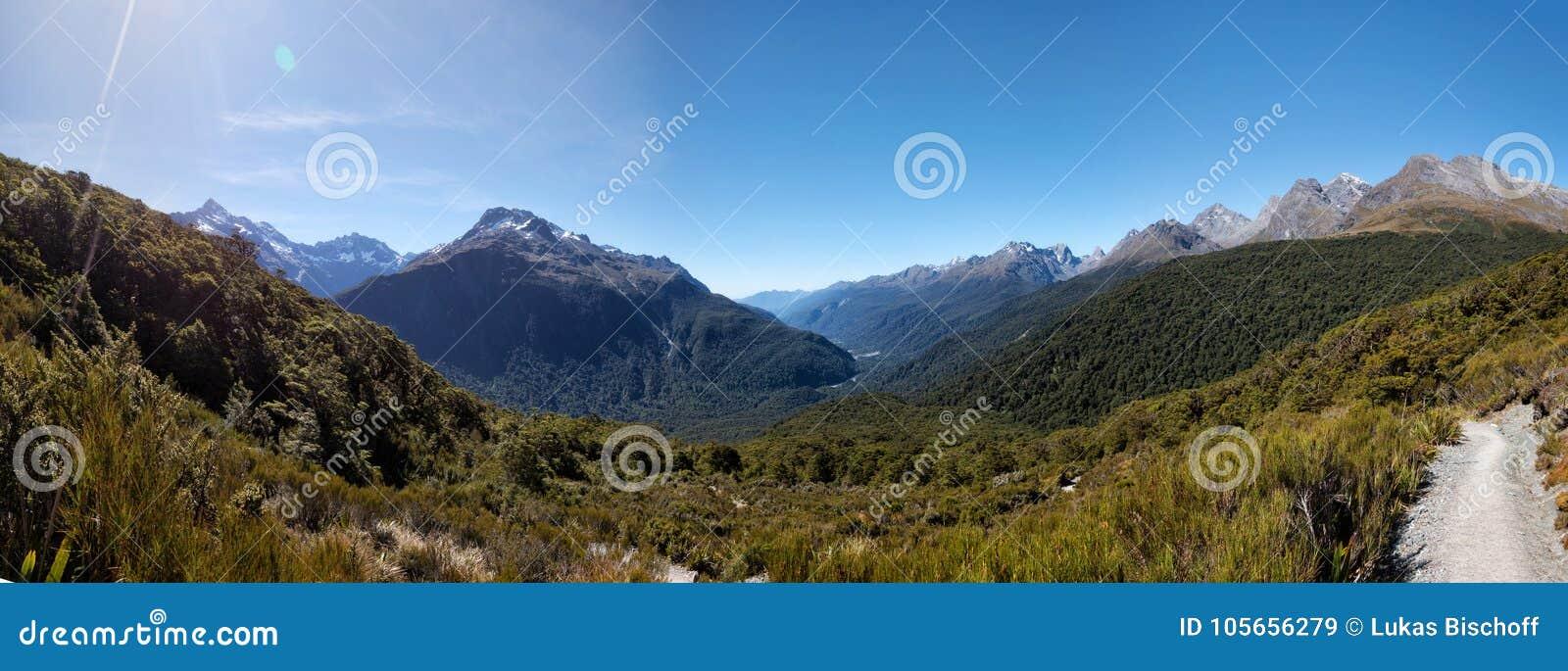 De zeer belangrijke Weg van de Topsleep aan Milford Correct Nieuw Zeeland