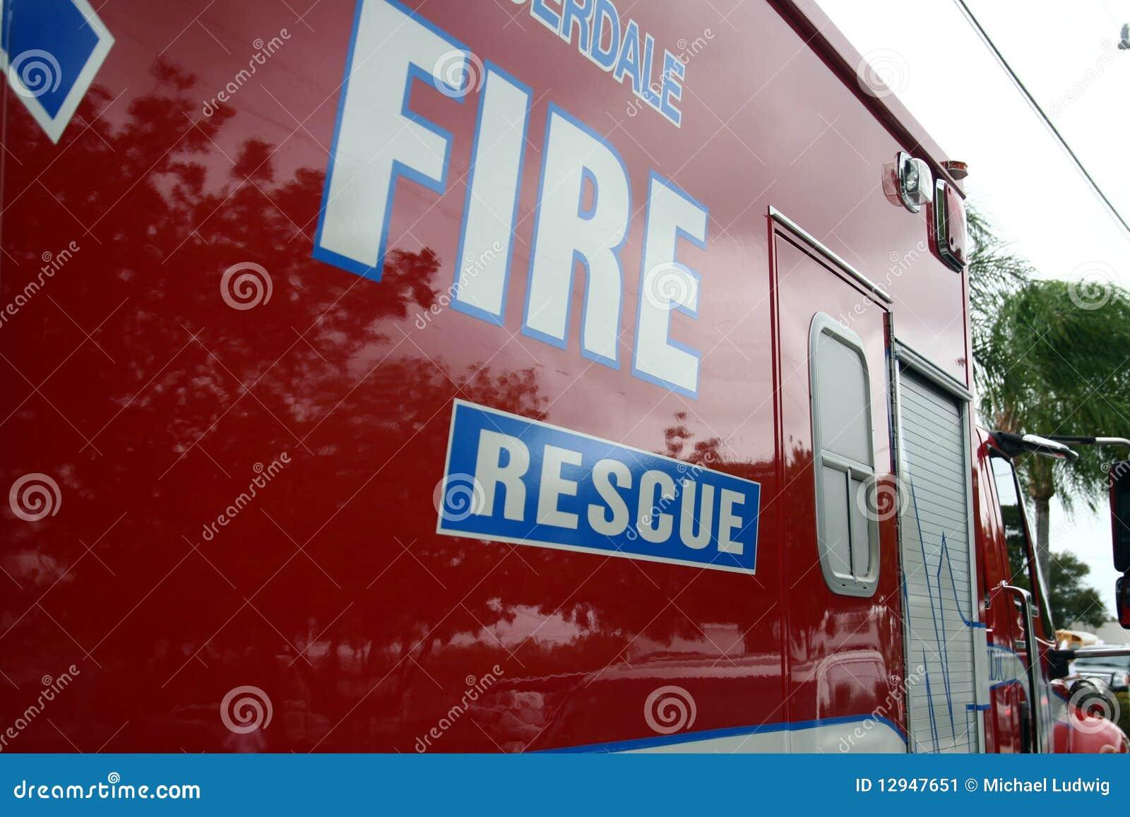 De Ziekenwagen van de brand en van de Redding