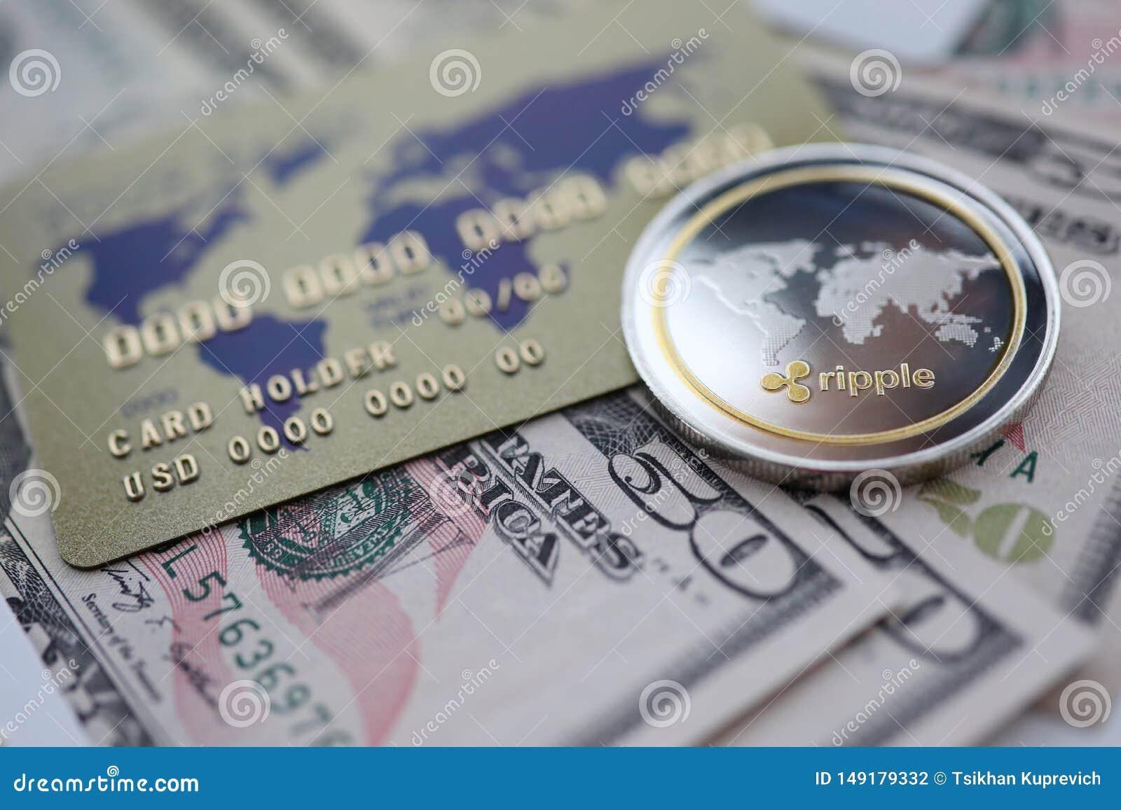 De zilveren close-up van de muntstukrimpeling XRP ligt op lijst