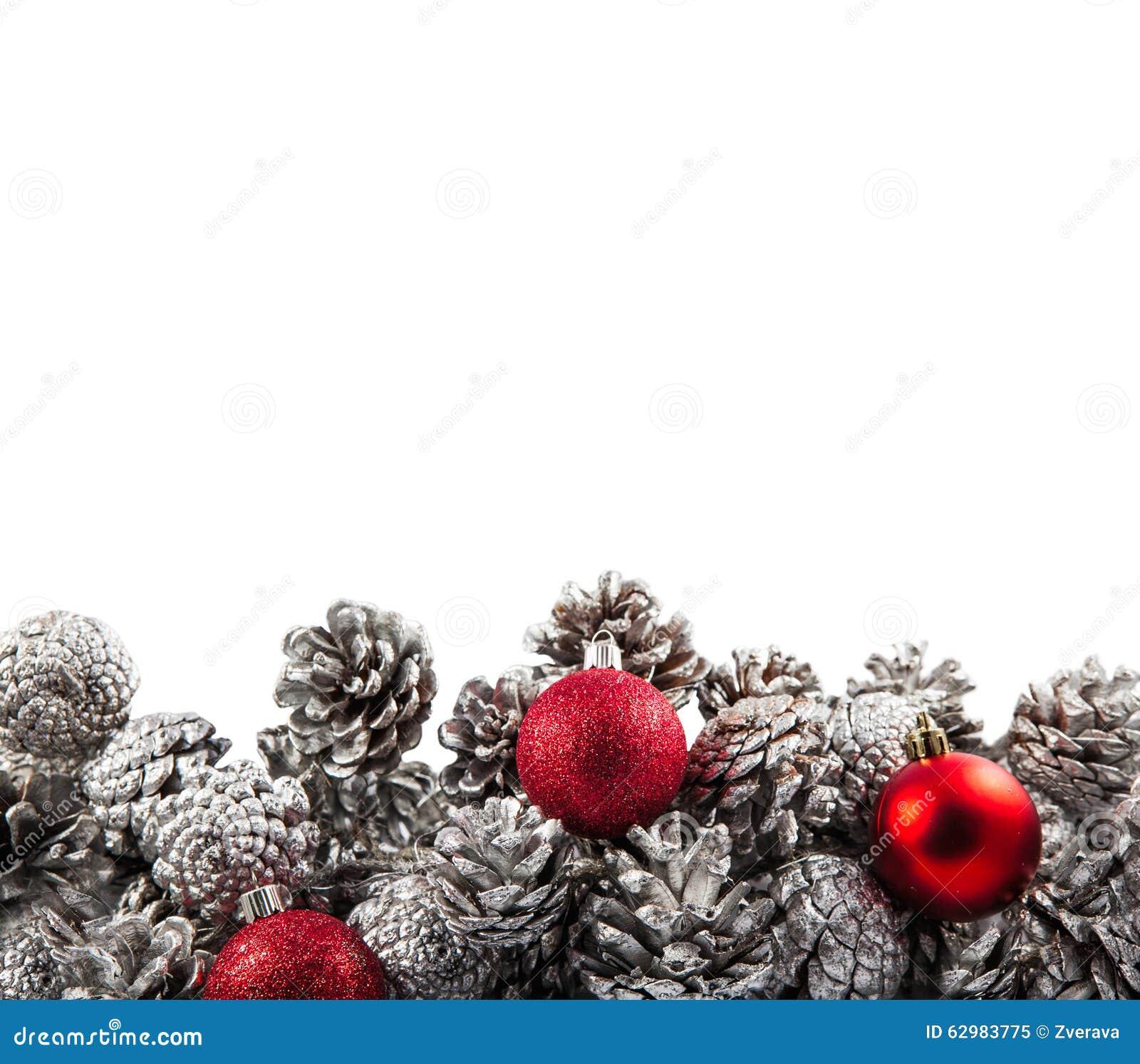 De zilveren decoratie van denneappelskerstmis op wit stock afbeelding afbeelding 62983775 - Decoratie van de villas ...
