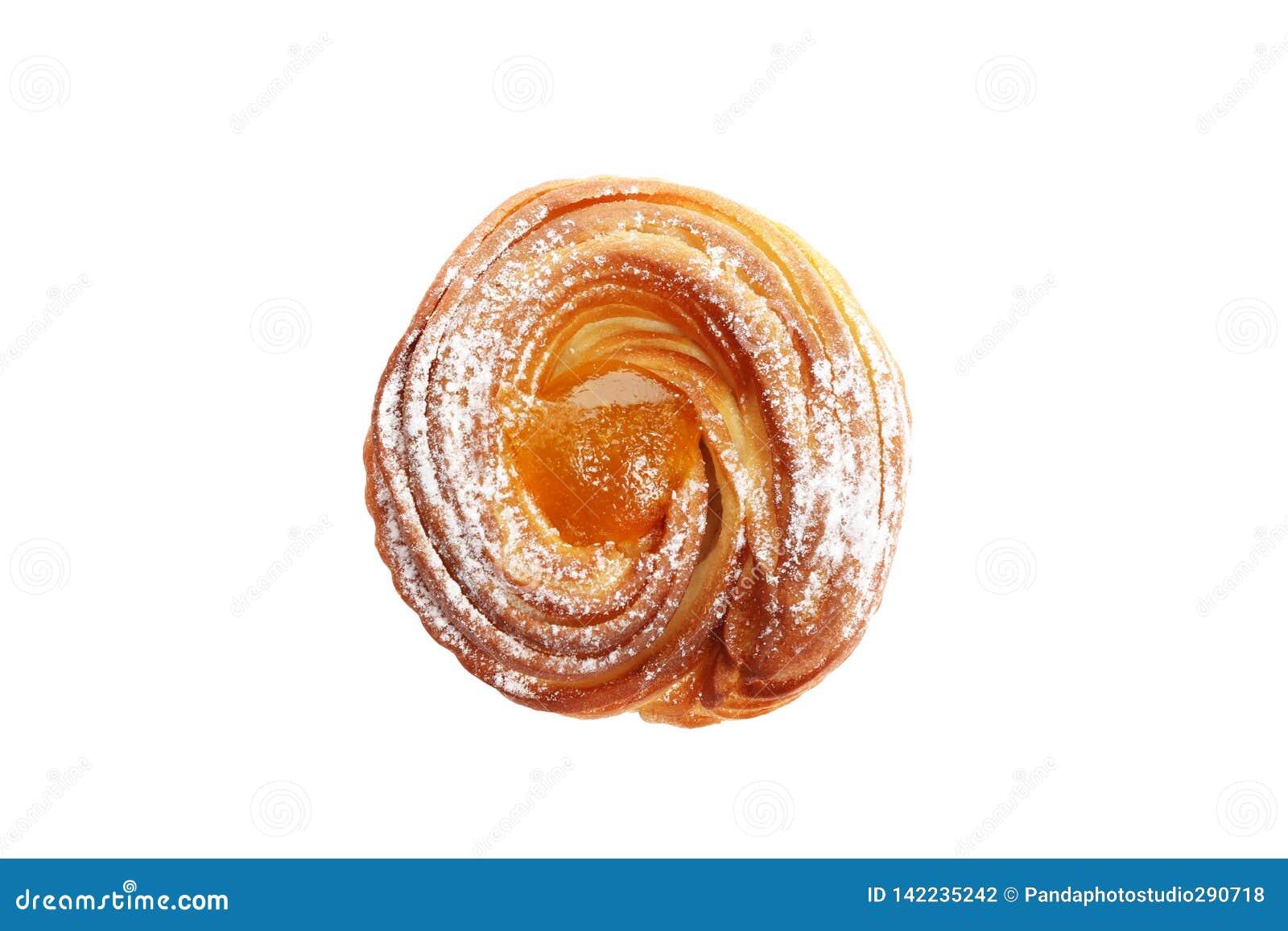 De zoete hete die muffins van de perzikjam op witte achtergrond worden geïsoleerd