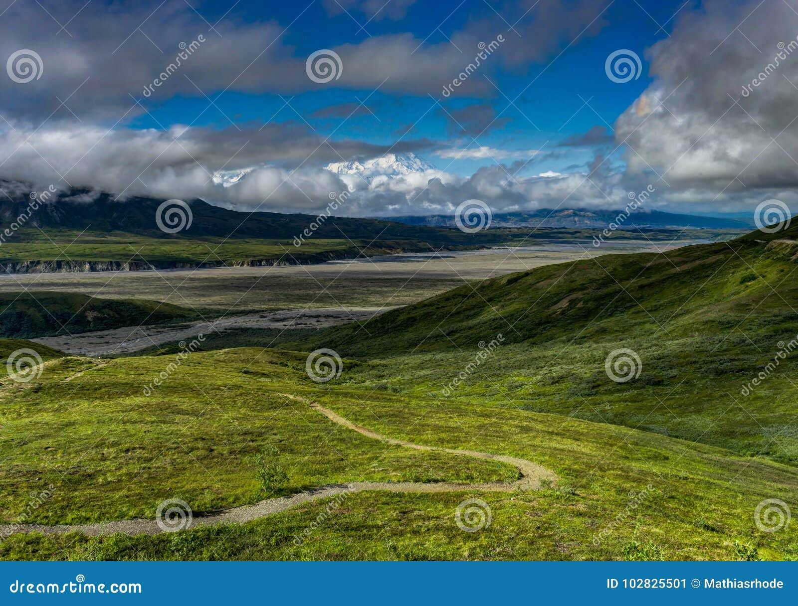 De zonneschijnmening naar Onderstel vroegere Denali zet McKinley in Dena op