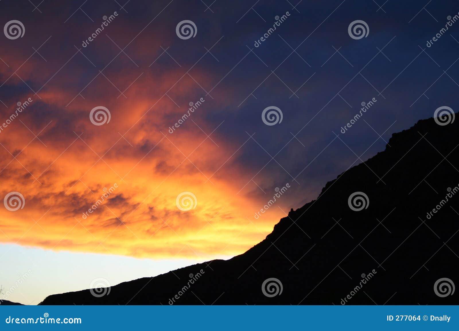De Zonsondergang van de Berg van de schaduw