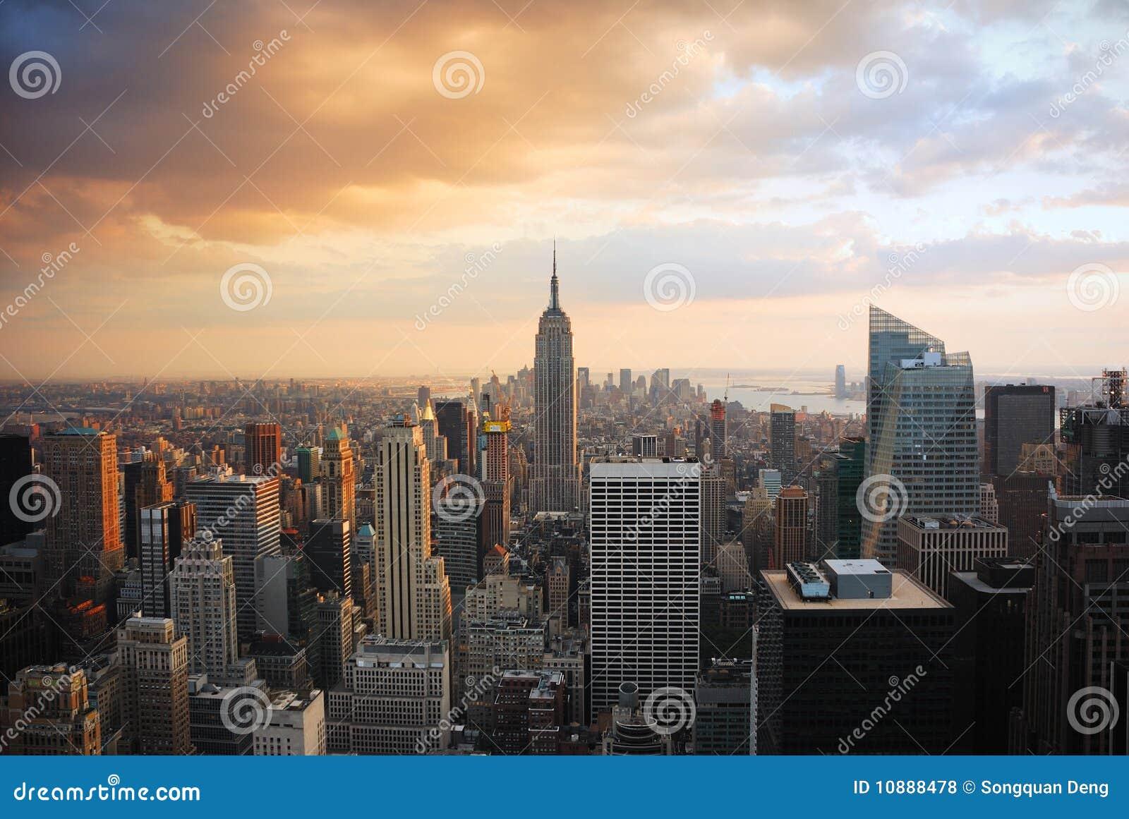 De Zonsondergang van de Stad van New York