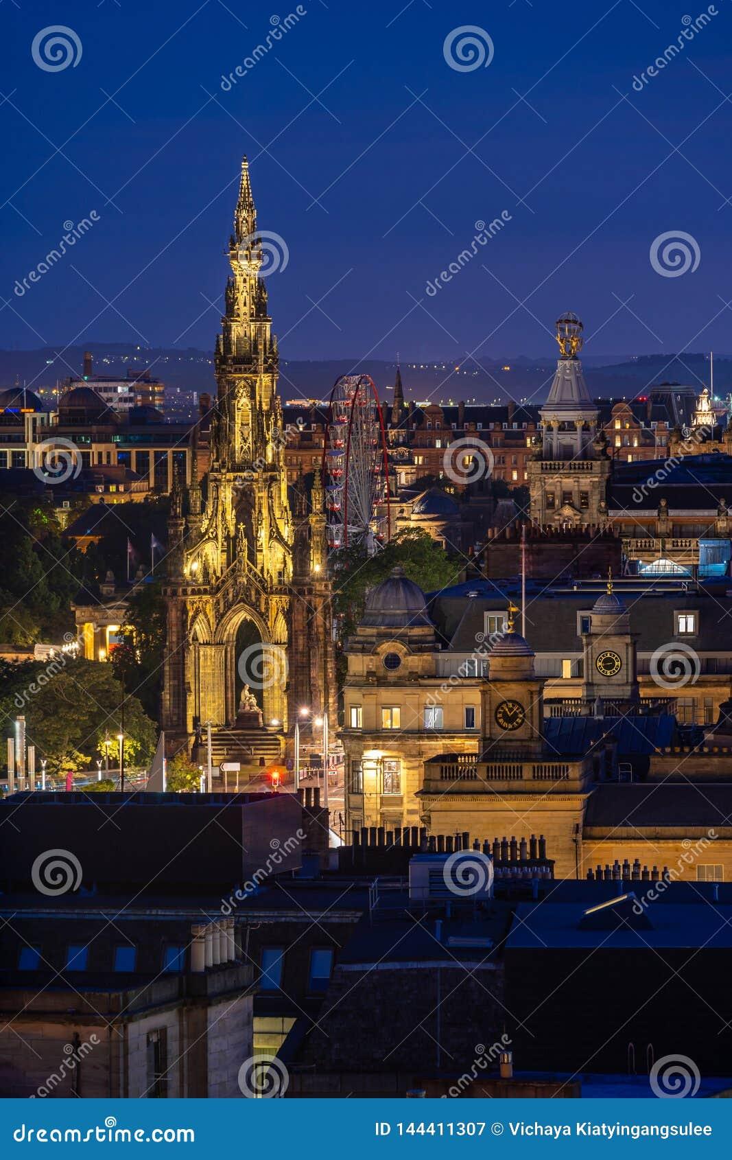 De zonsondergang van Edinburgh