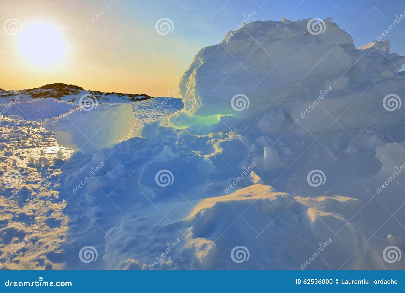 De zonsondergang van Groenland ` s
