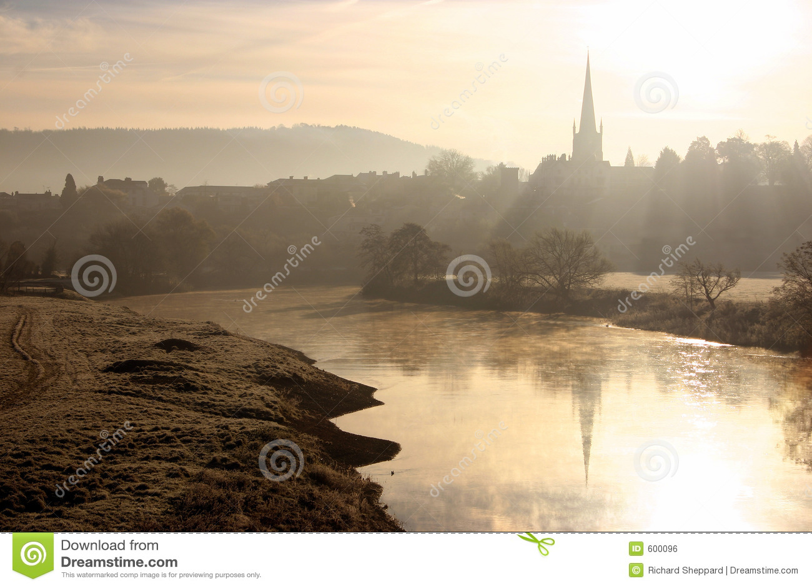 De zonsopgang van de rivier