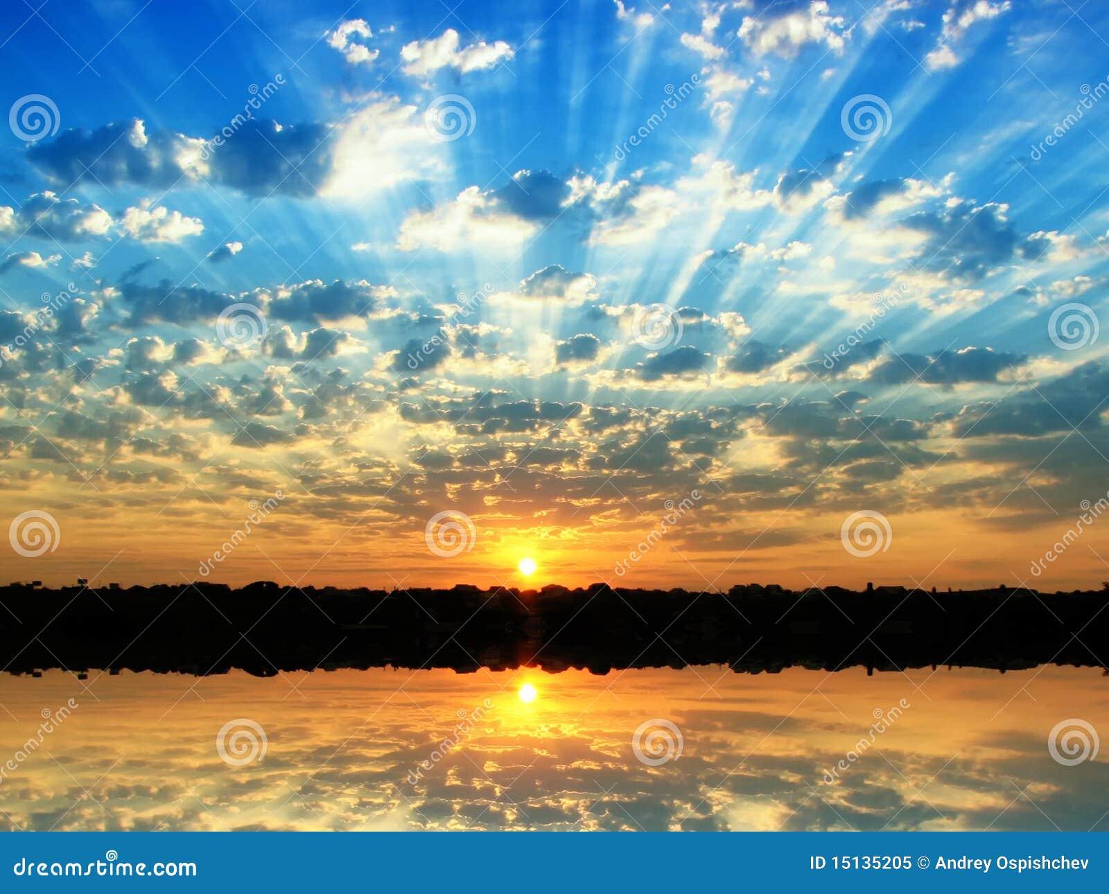 Citaten Zomer Gratis : De zonsopgang van zomer royalty vrije stock foto