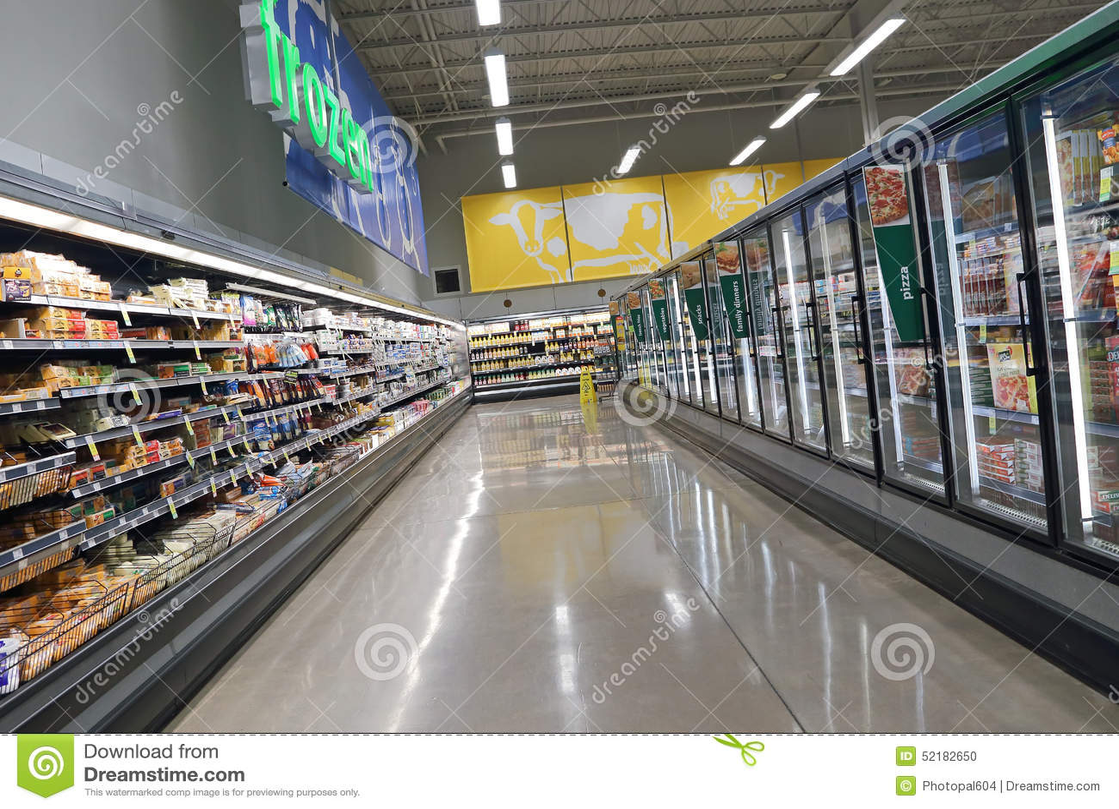 De zuivelfabriek en fozen binnen voedselgang be*sparen op Voedsel