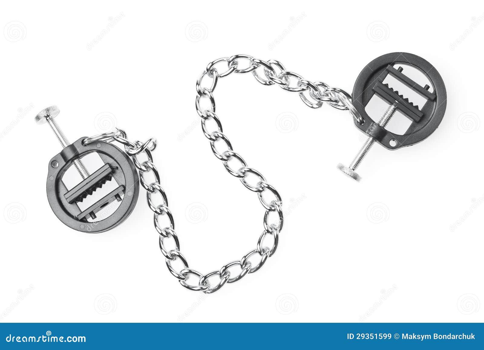 De zwarte klemmen van het amuletuitsteeksel met ketting die op wit wordt geïsoleerd